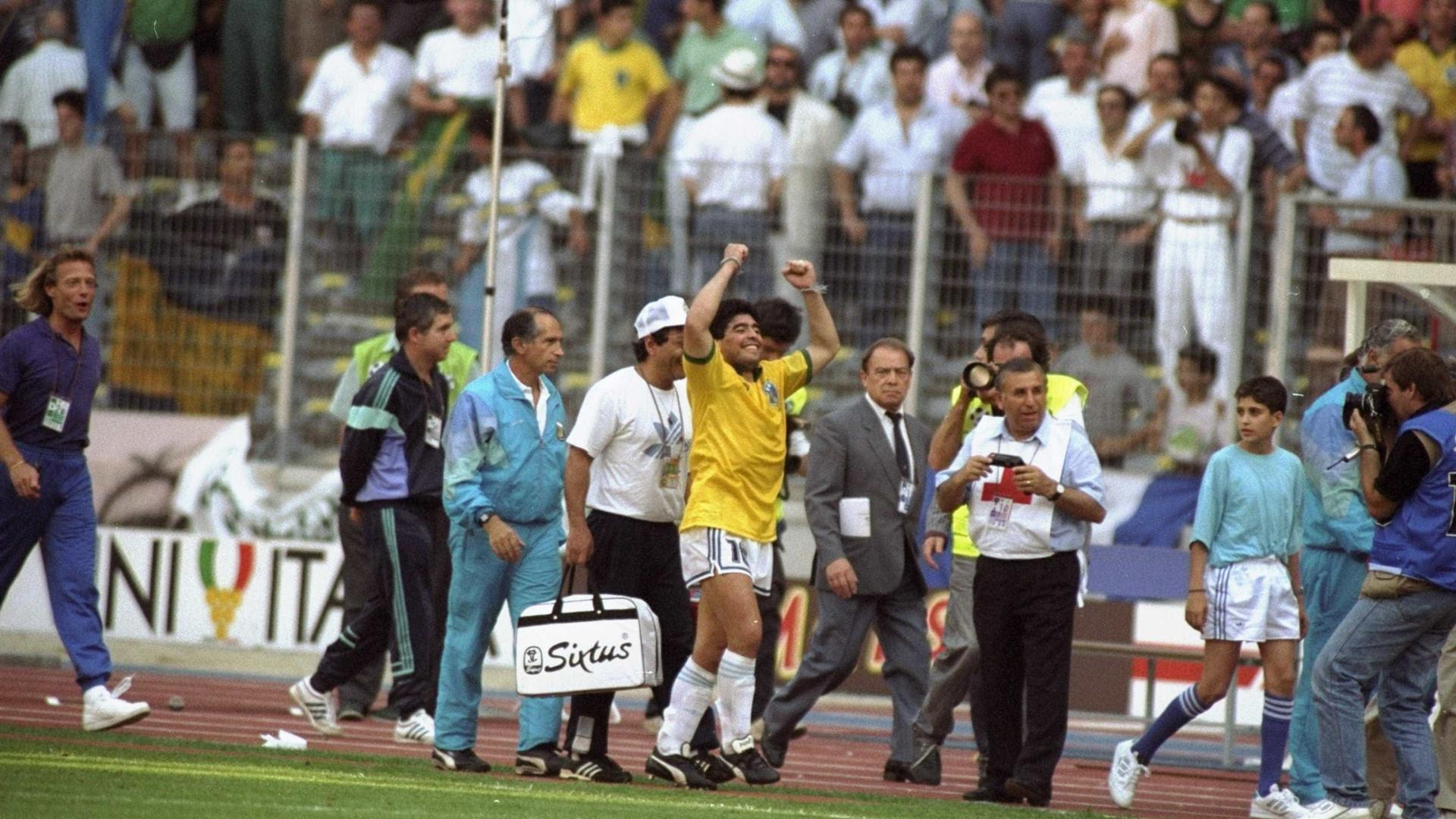 Maradona diz que gol de Caniggia na Copa de 1990 foi  culpa do Dunga  7331a8da232e4