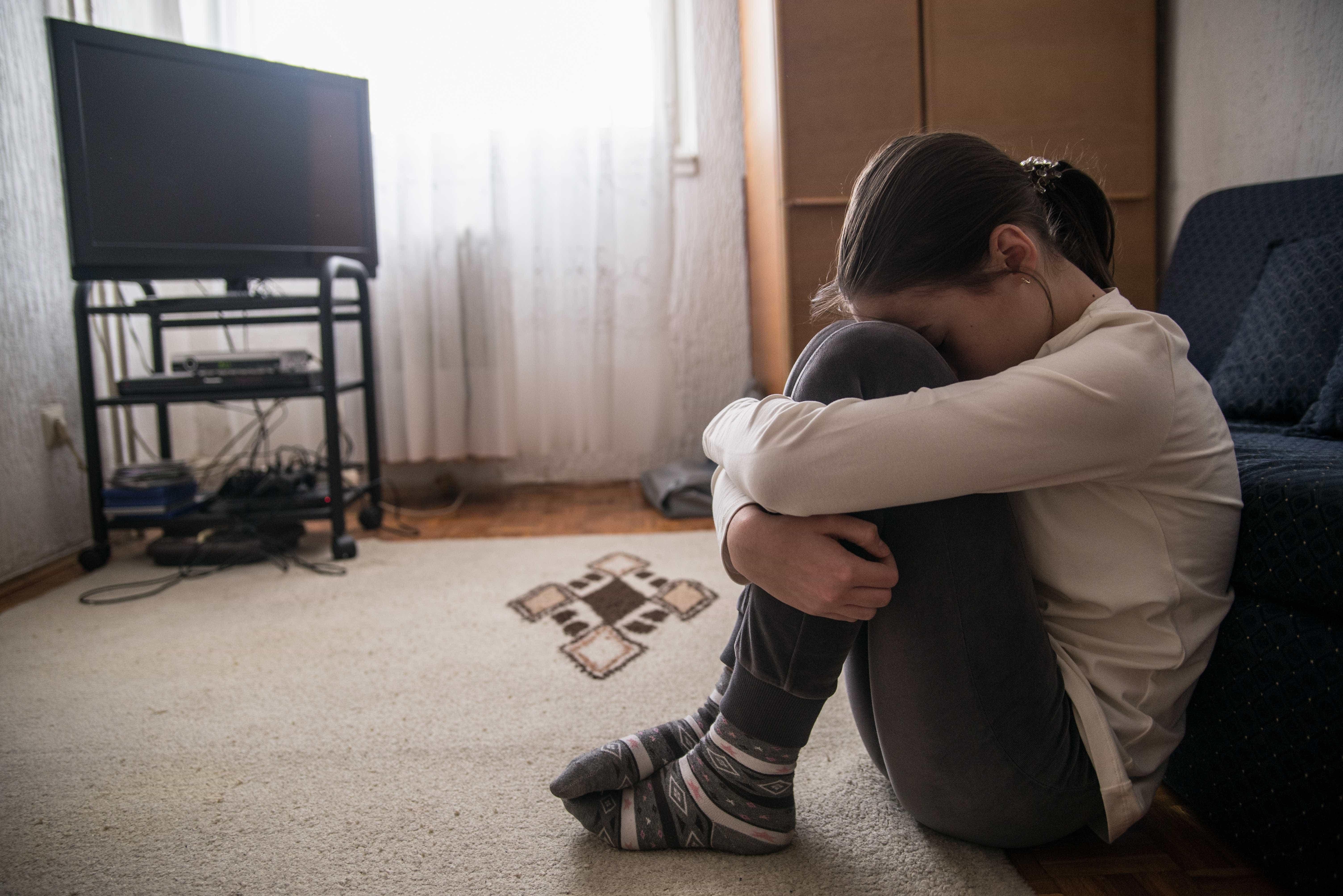 Puberdade precoce é mais comum em meninas, diz endocrinologista