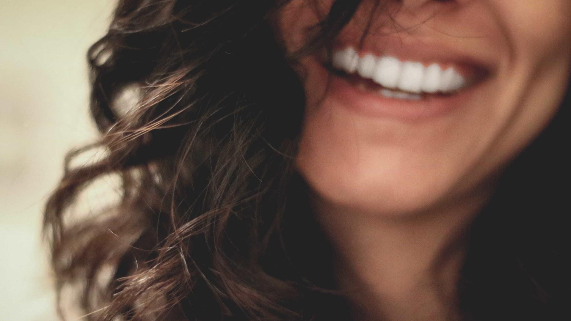 66d0c38bf Fio dental  um aliado para manter a saúde bucal