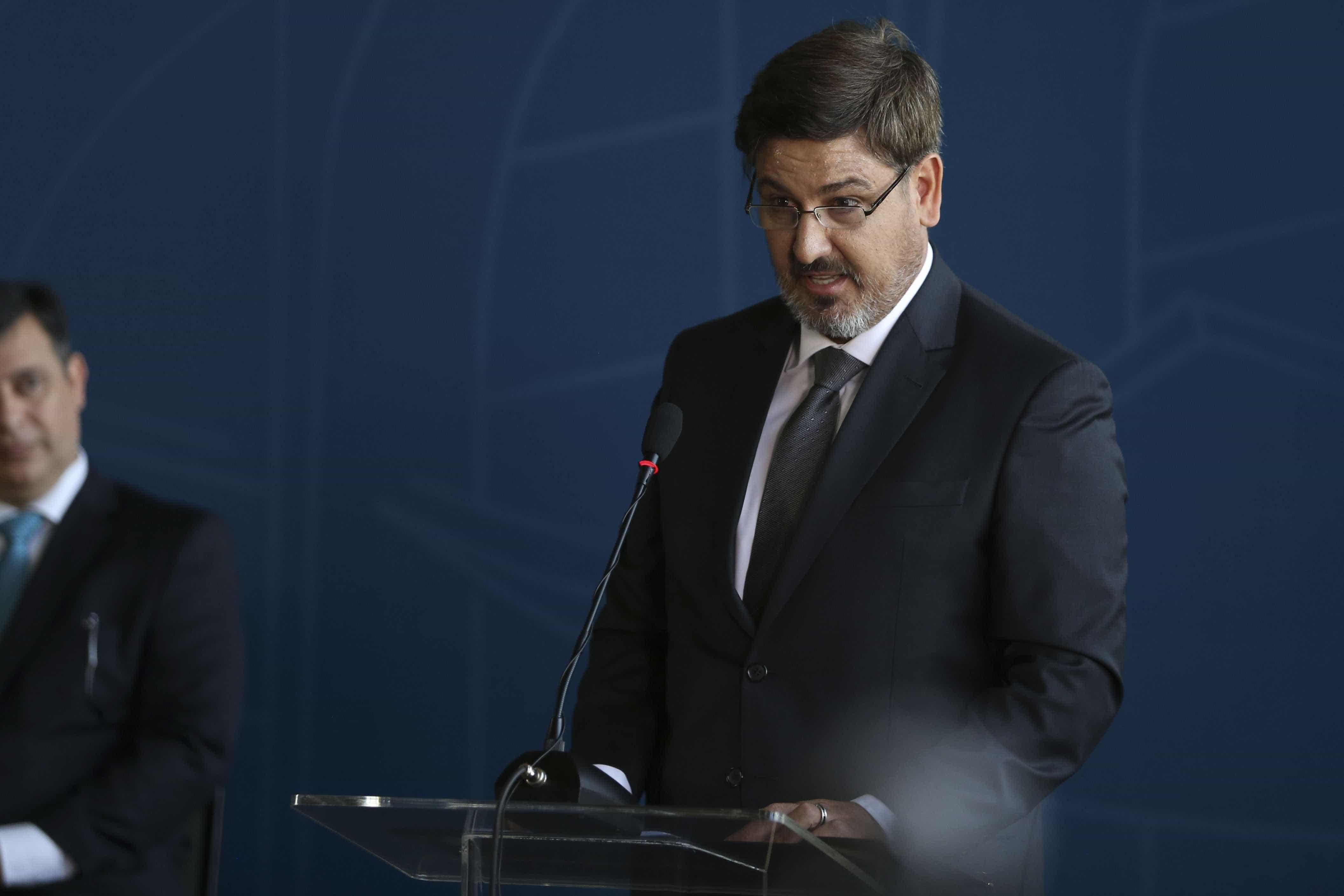 Comissão impõe censura ética a Fernando Segovia