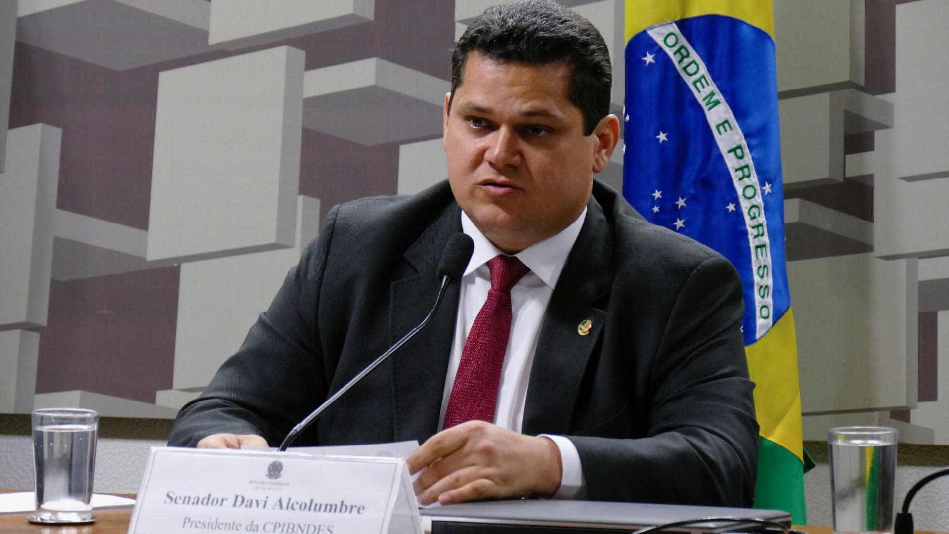 Senadores já falam em impeachment de Toffoli e Moraes