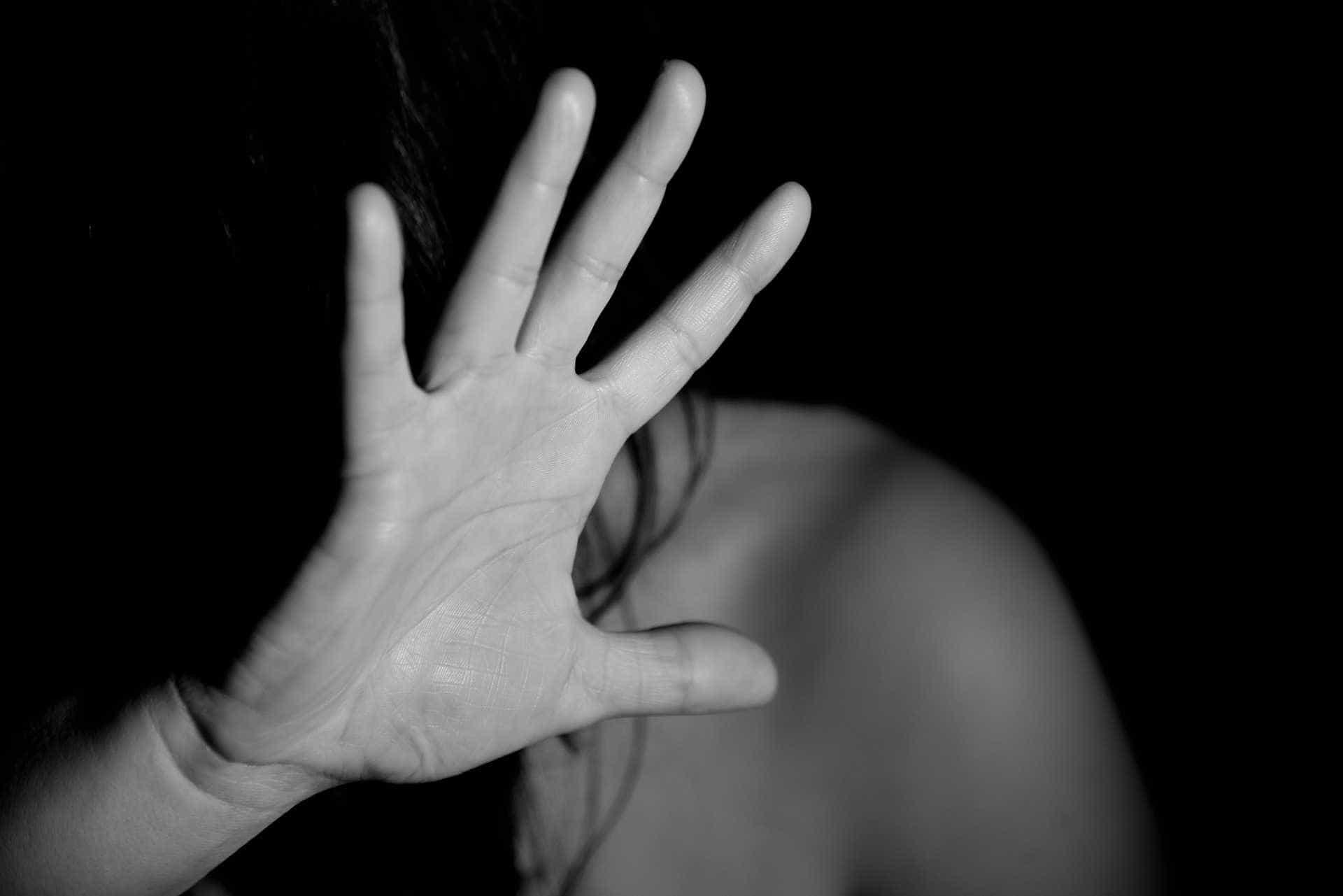 Jovem consegue ligar para amiga durante estupro e suspeito é preso
