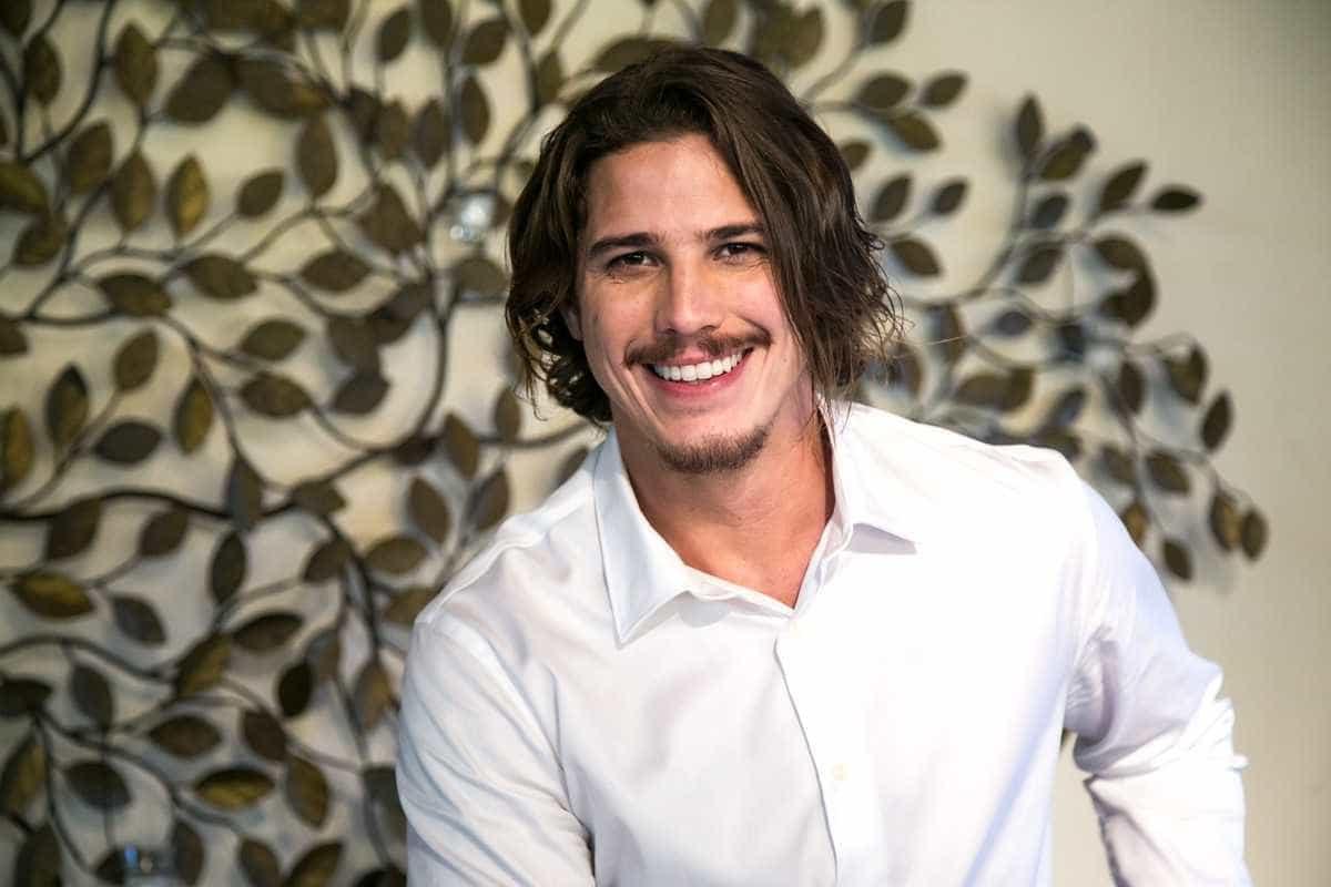 Rômulo Arantes Neto diz querer elogio por atuação e não por aparência