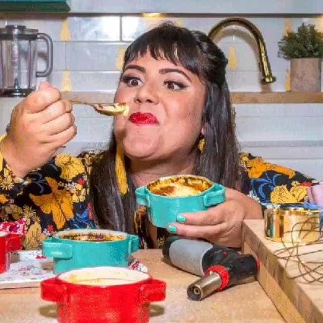 Sucesso na TV e no YouTube, Raiza Costa lança livro: 'comida é carnal'