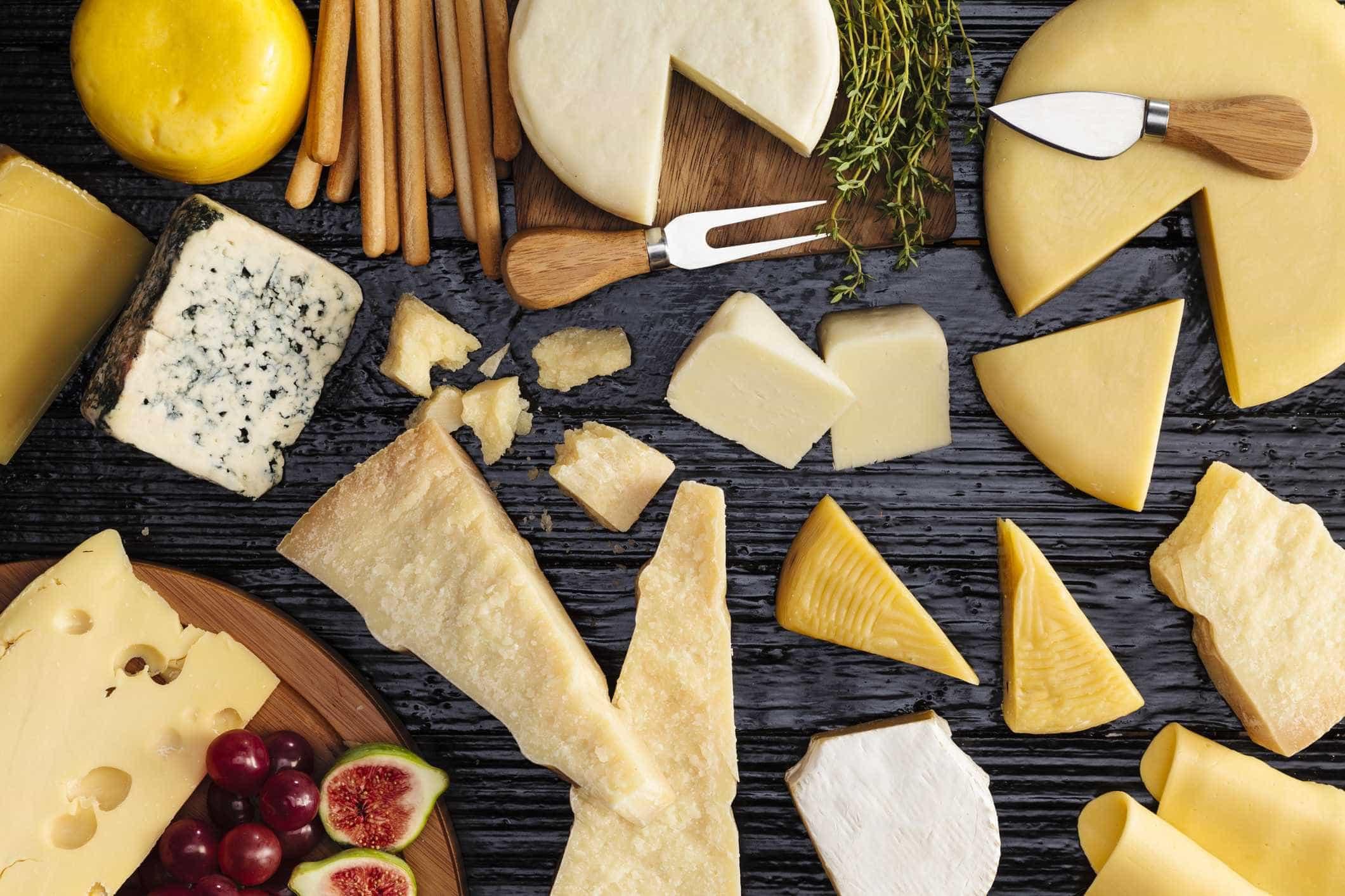 Você sabe qual o tipo de queijo mais saudável? Nutricionista orienta