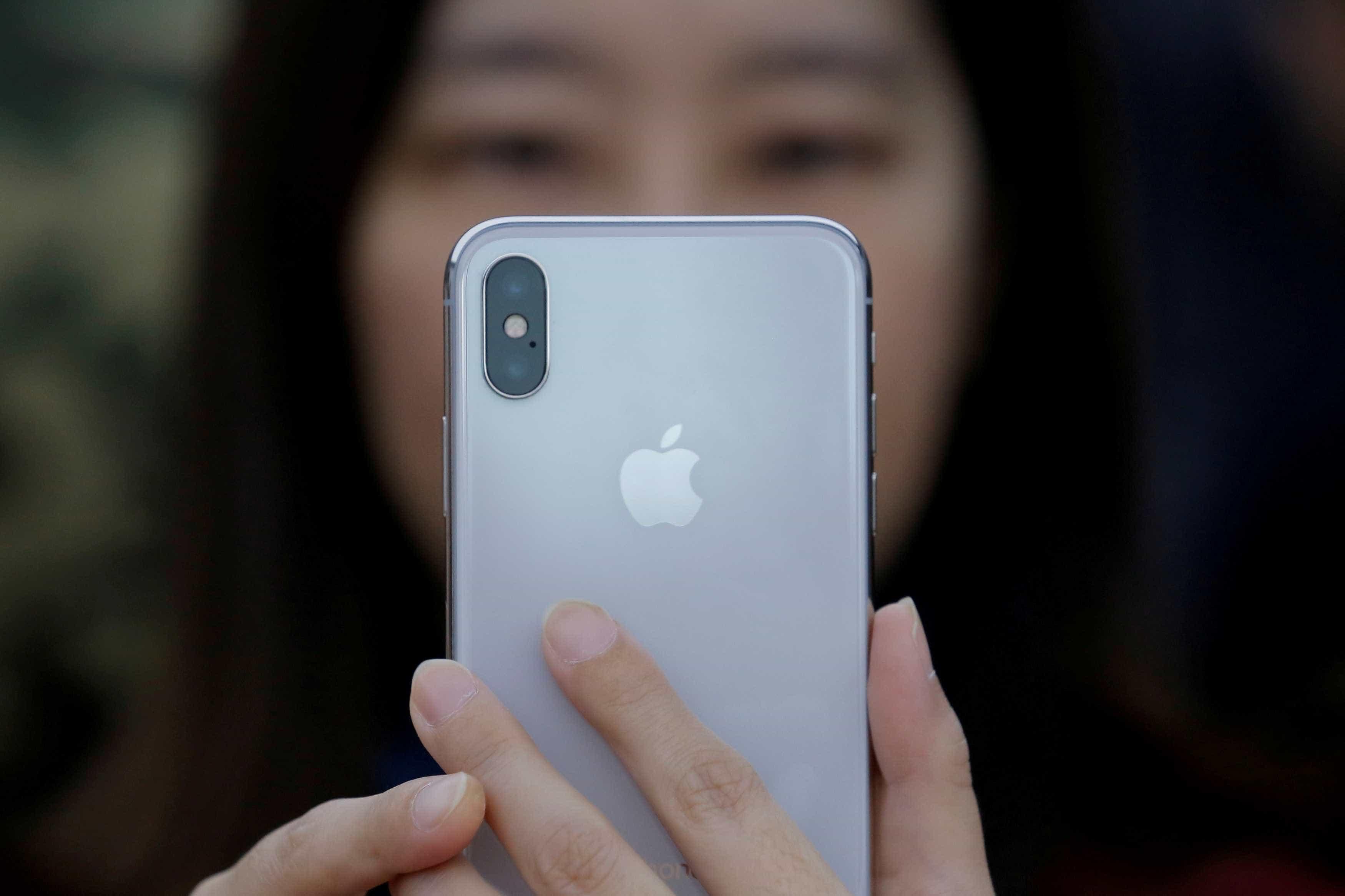iPhone X não identifica usuário com 'cara de sono'