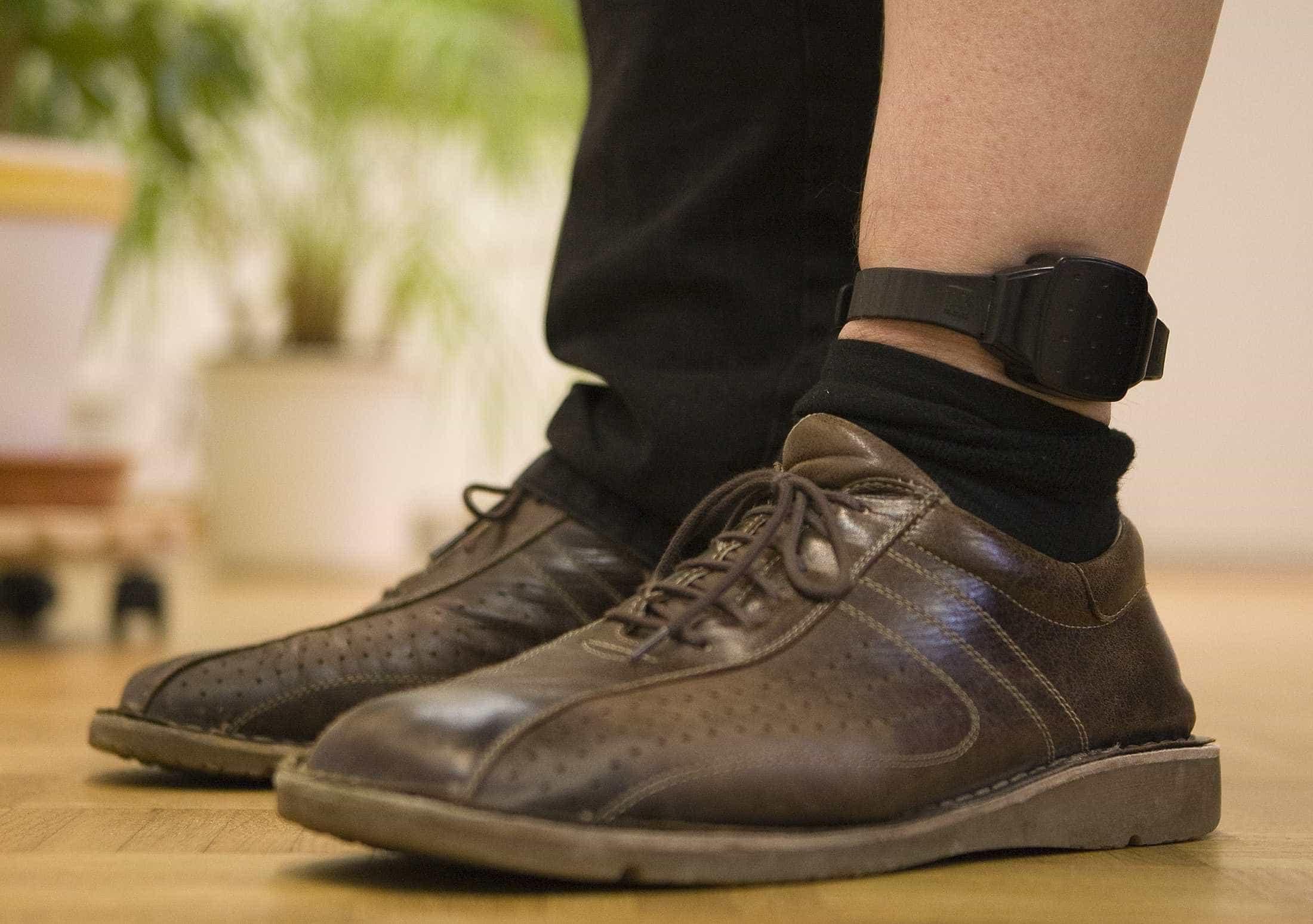 Homem com tornozeleira eletrônica é preso após tentativa estupro