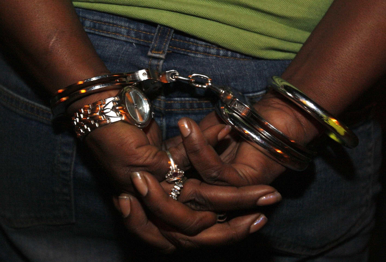 Suspeita de matar amigas de 11 e 12 anos é presa no Rio