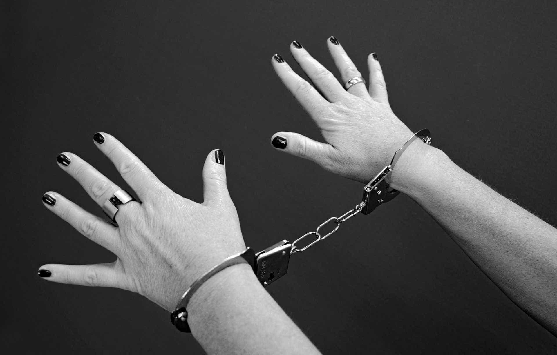Acusada de matar marido, brasileira corre risco de morte nos EUA
