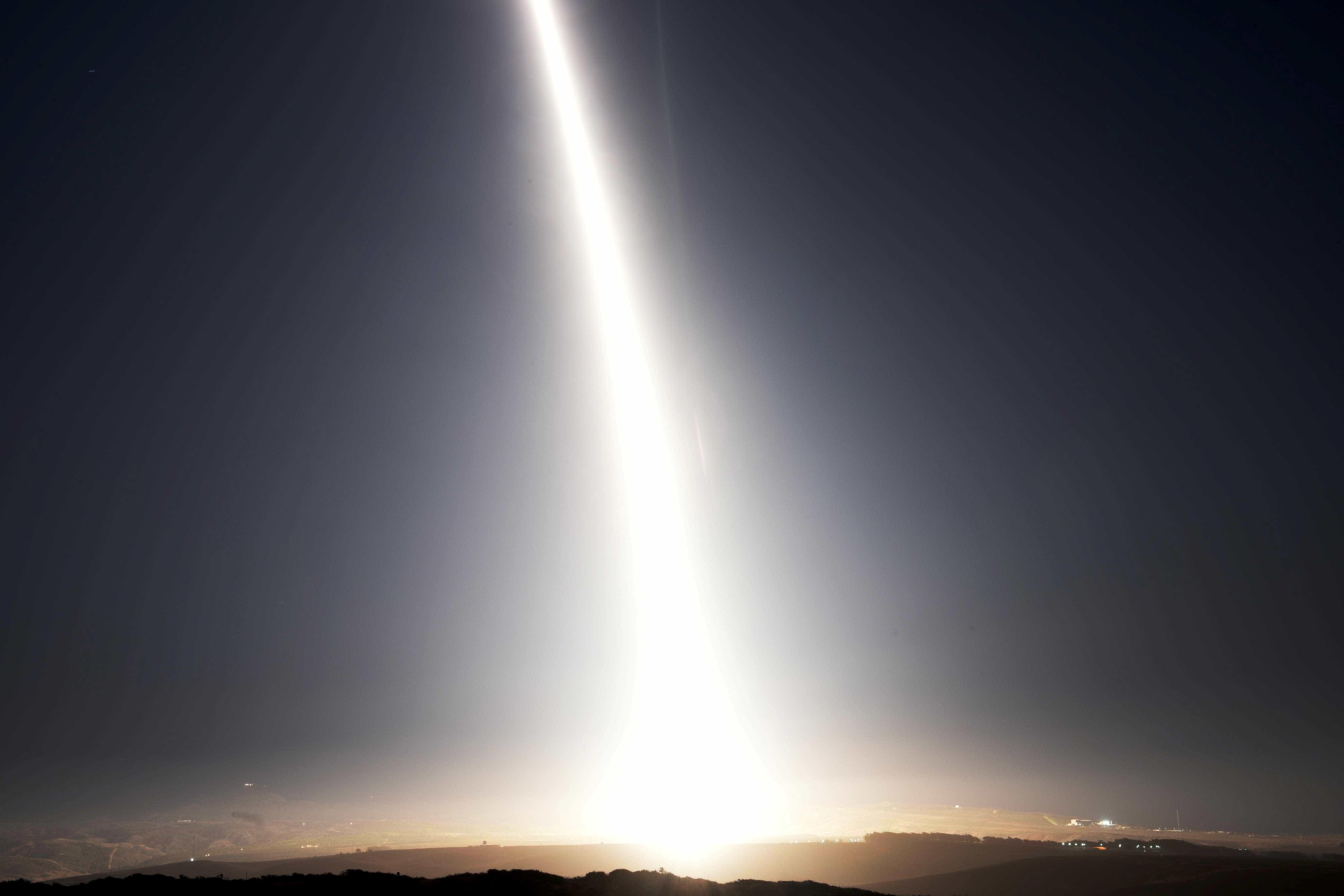 EUA lançam satélite que detectará mísseis para o exército