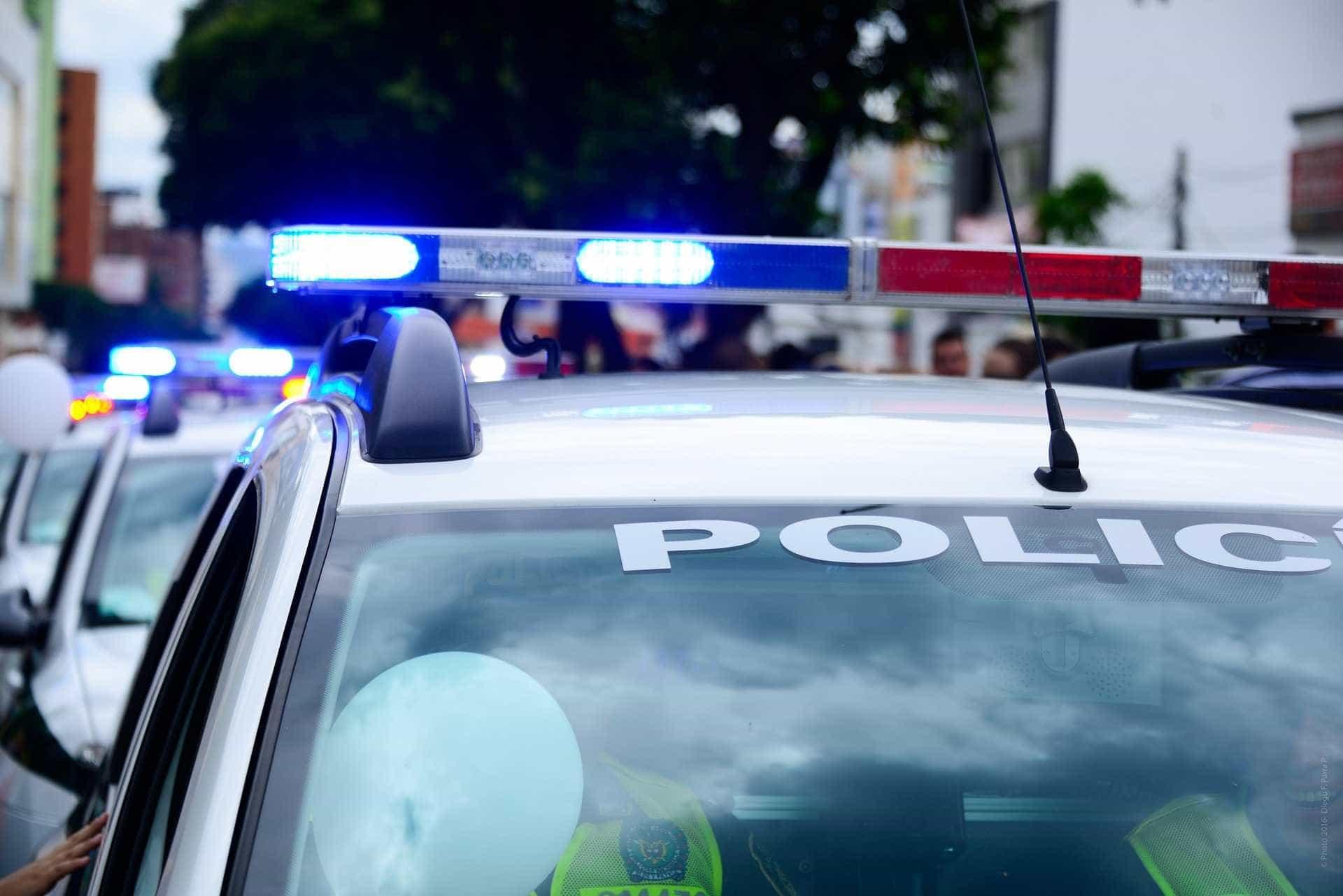 Grupo armado invade festa, mata dois e deixa seis feridos na Bahia