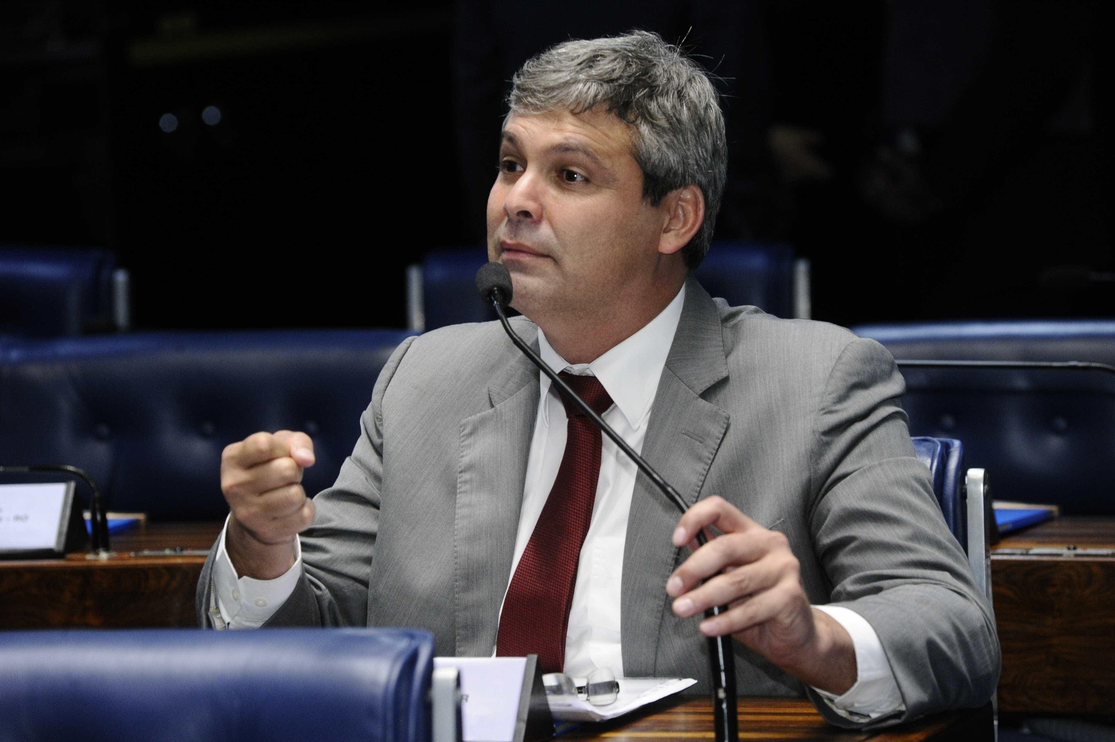 Lindbergh pede investigação sobre tiros em acampamento pró-Lula
