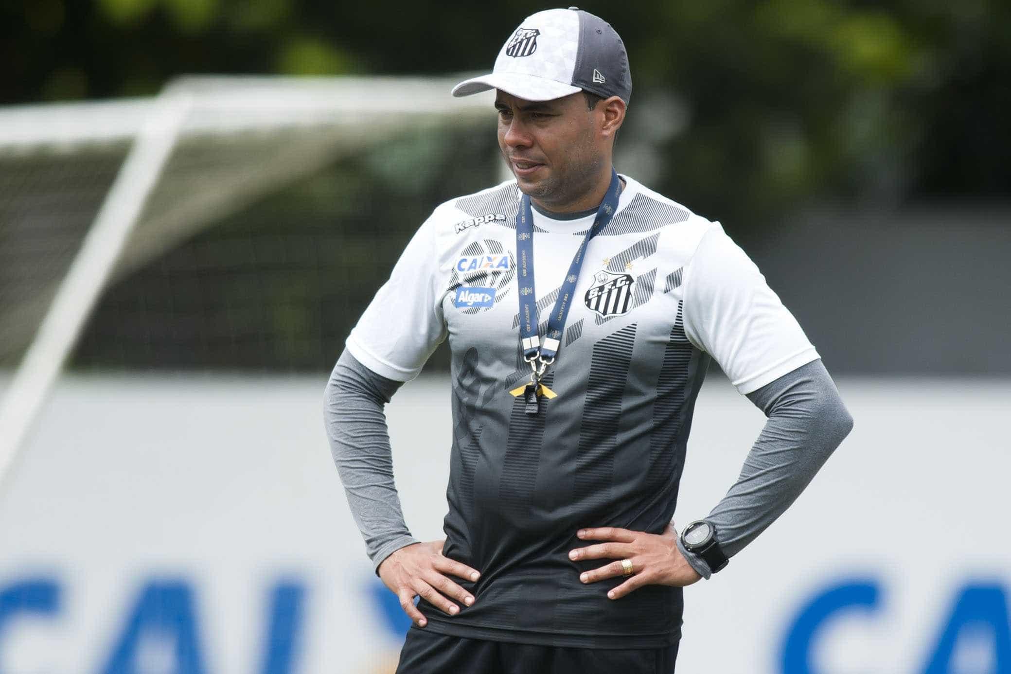 Jair prioriza testes, e início do Santos em 2018 é o pior em dez anos