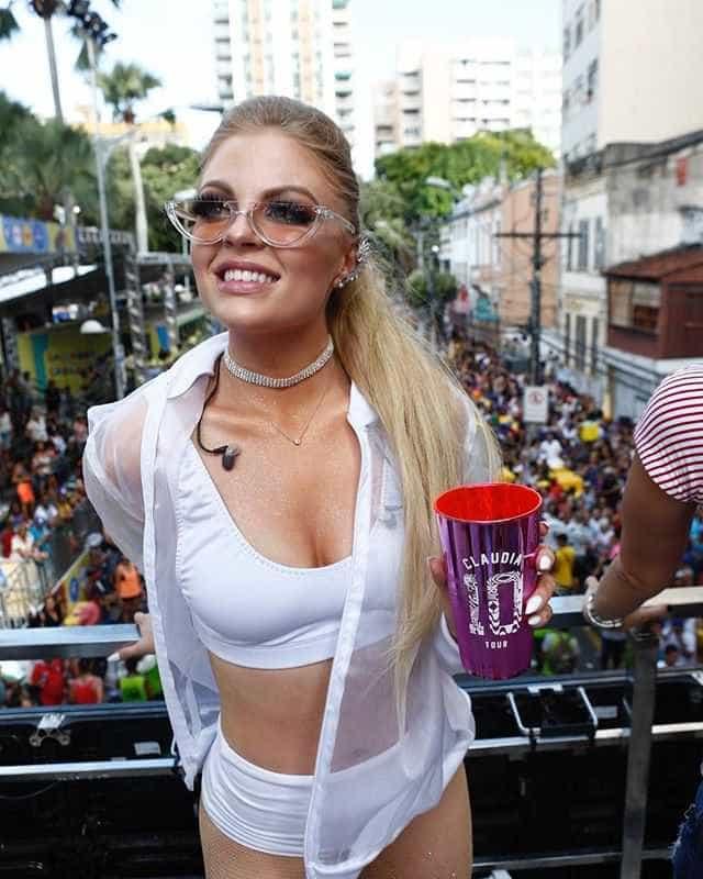 Ao lado de Whindersson, Luisa Sonza diz que pode puxar trio em 2019