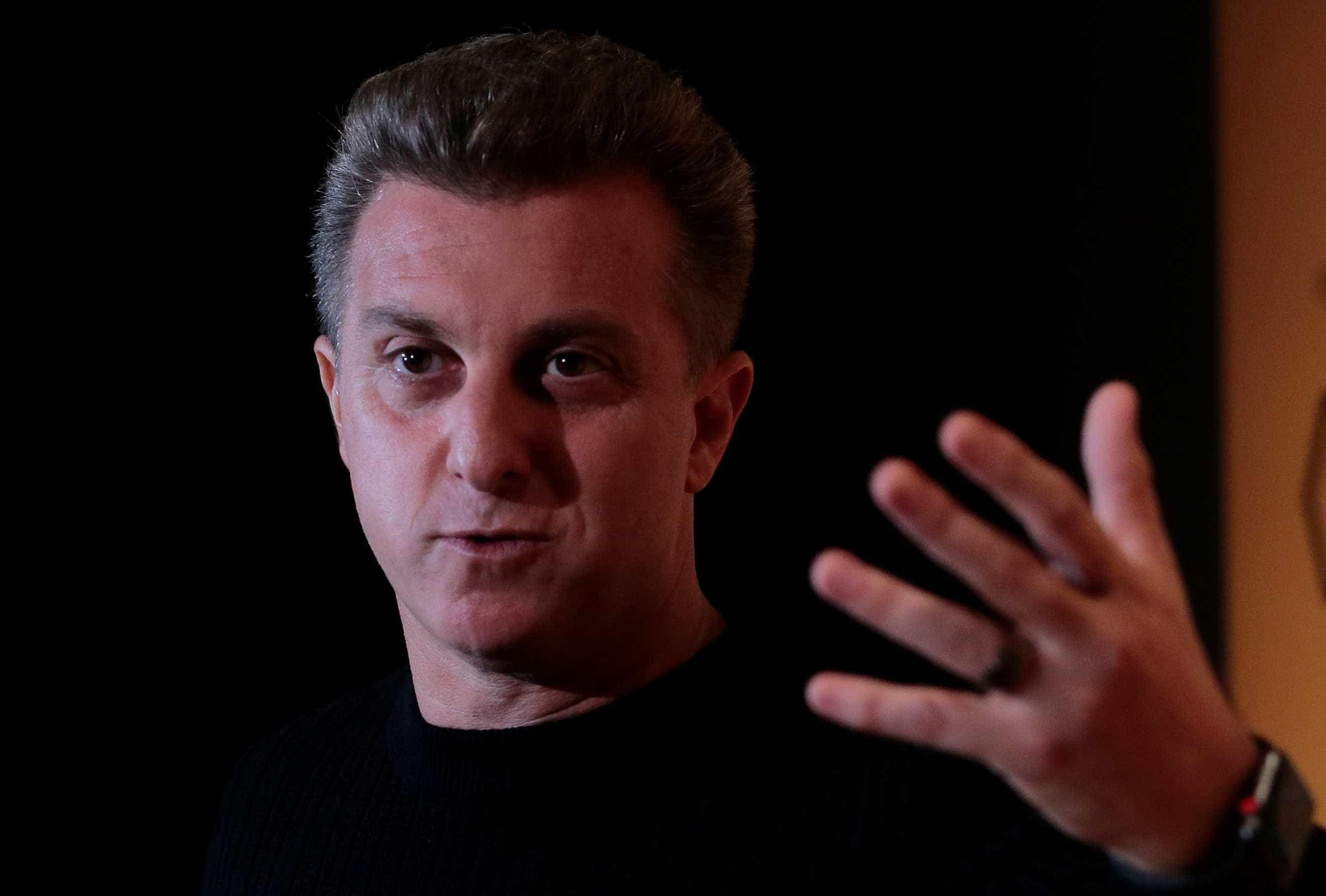 Relator irá barrar ação contra Huck e Globo, preveem ministros do TSE
