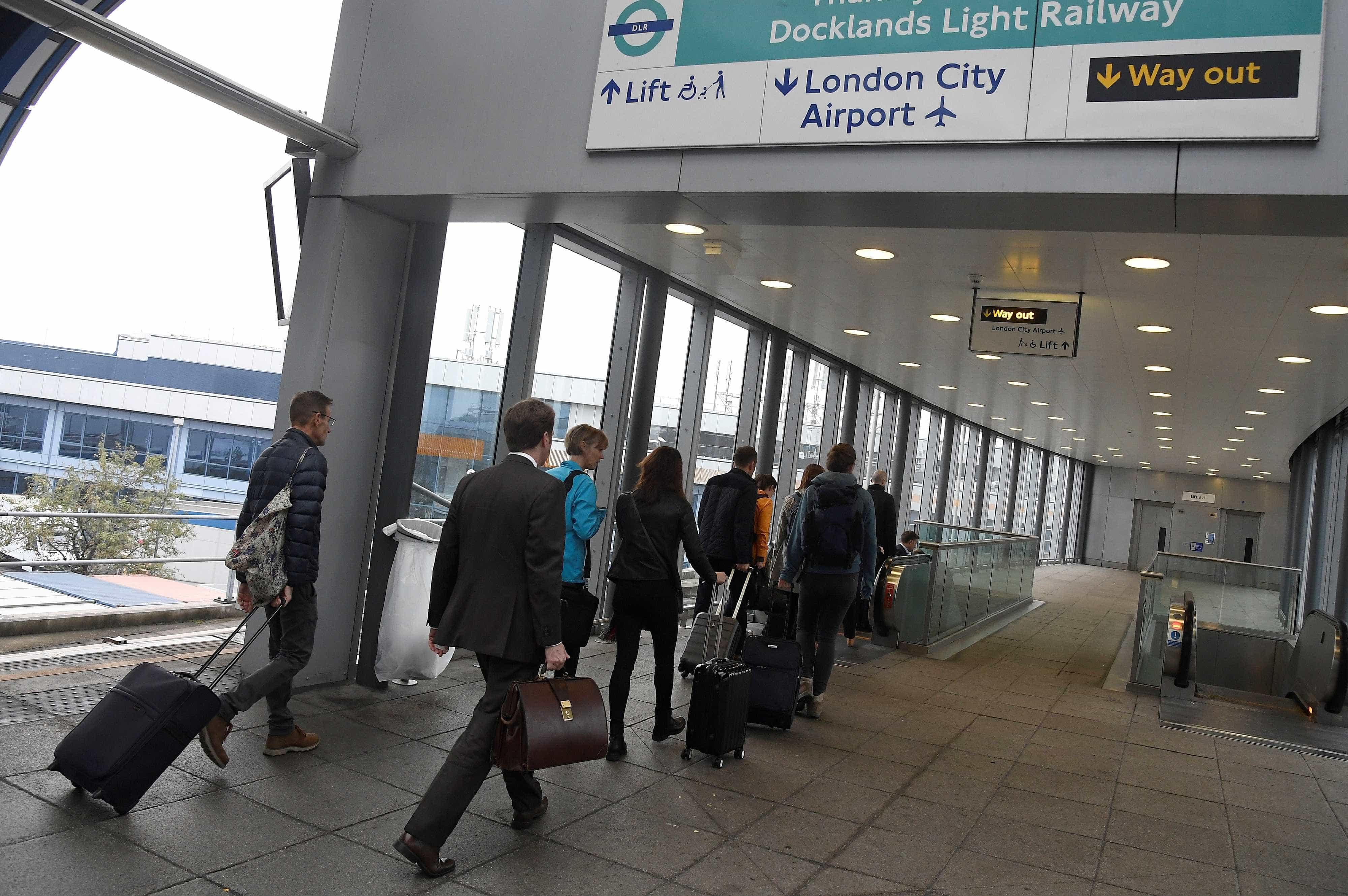 Aeroporto de Londres é fechado após descoberta de bomba da 2ª Guerra