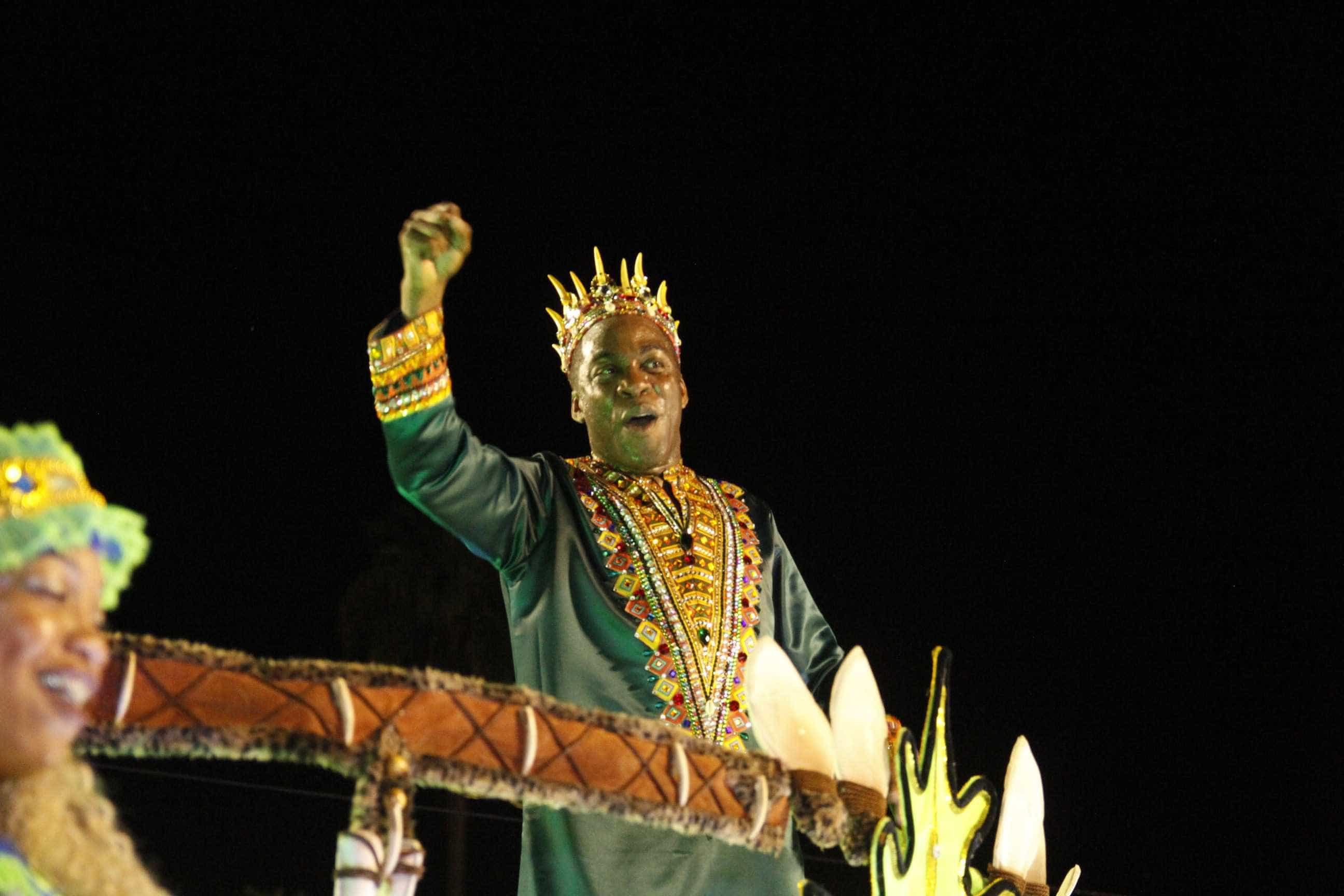 Musas, beijos e camarotes: a folia dos famosos no Carnaval