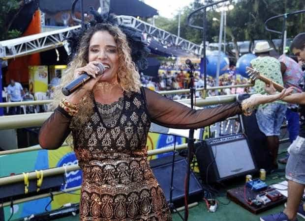 Ícone do carnaval dos anos 80, Sarajane volta a comandar trio na Bahia