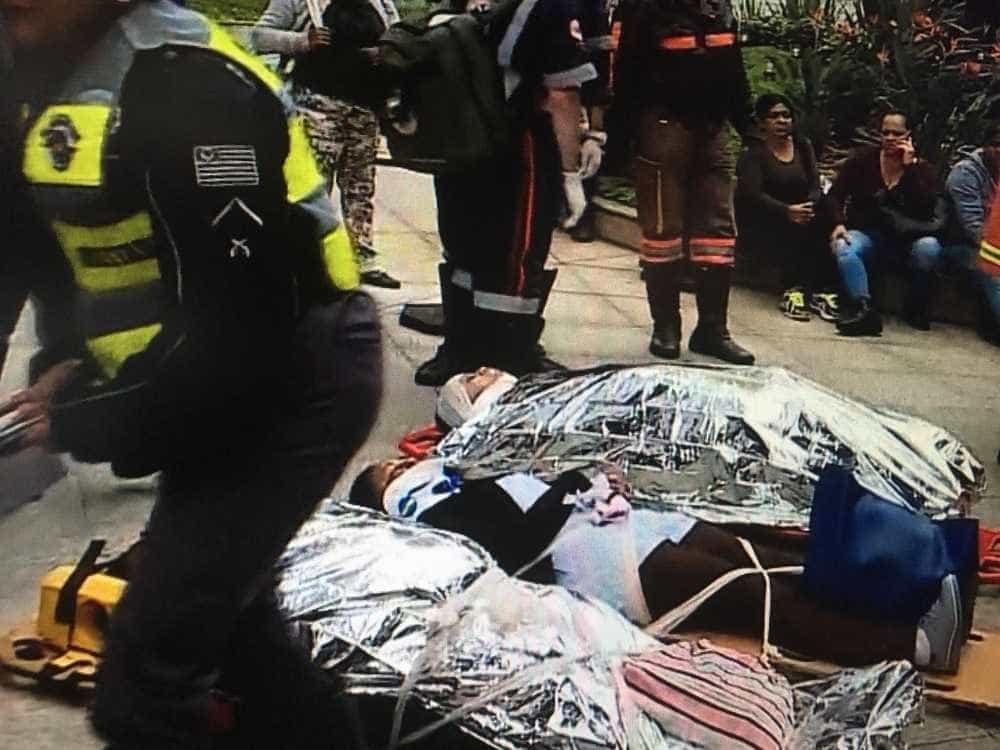Dois ônibus batem e passageiros ficam feridos na Marginal Pinheiros