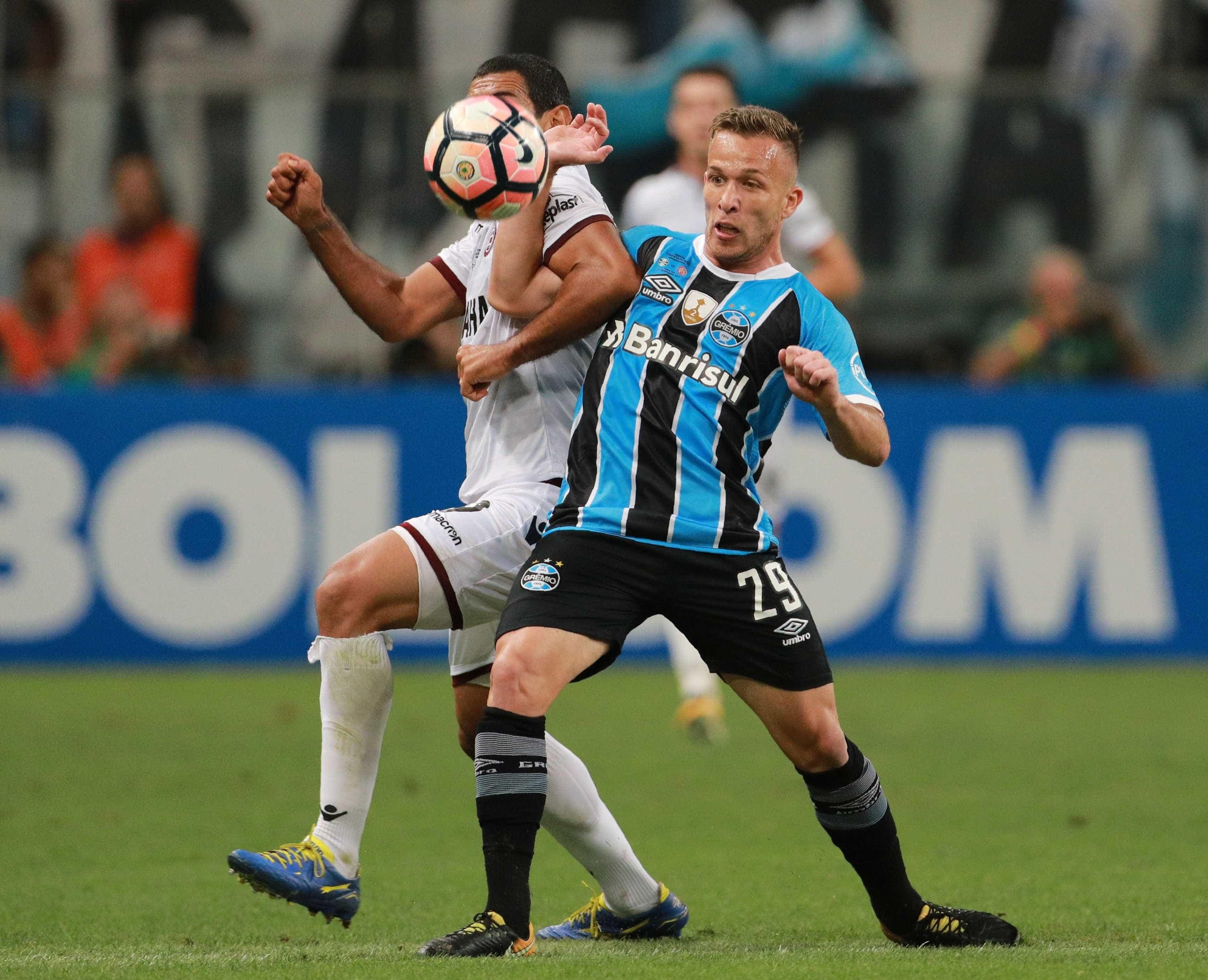 Barça se acerta com Arthur e planeja nova reunião com o Grêmio