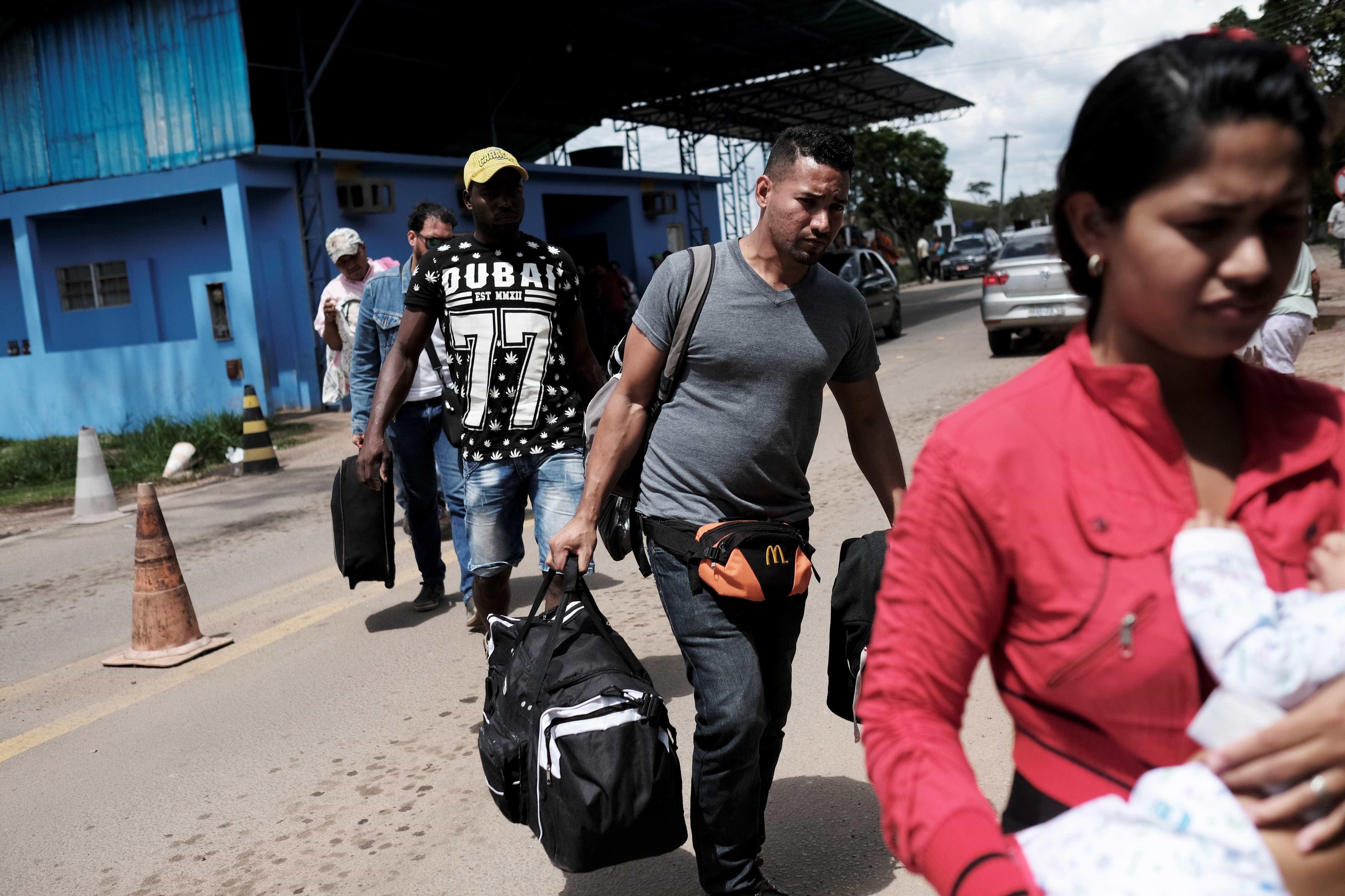 300 venezuelanos vão ser levados de Roraima a outros estados