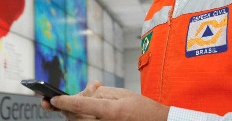 Moradores do DF, MT e TO receberão alertas de desastres via celular