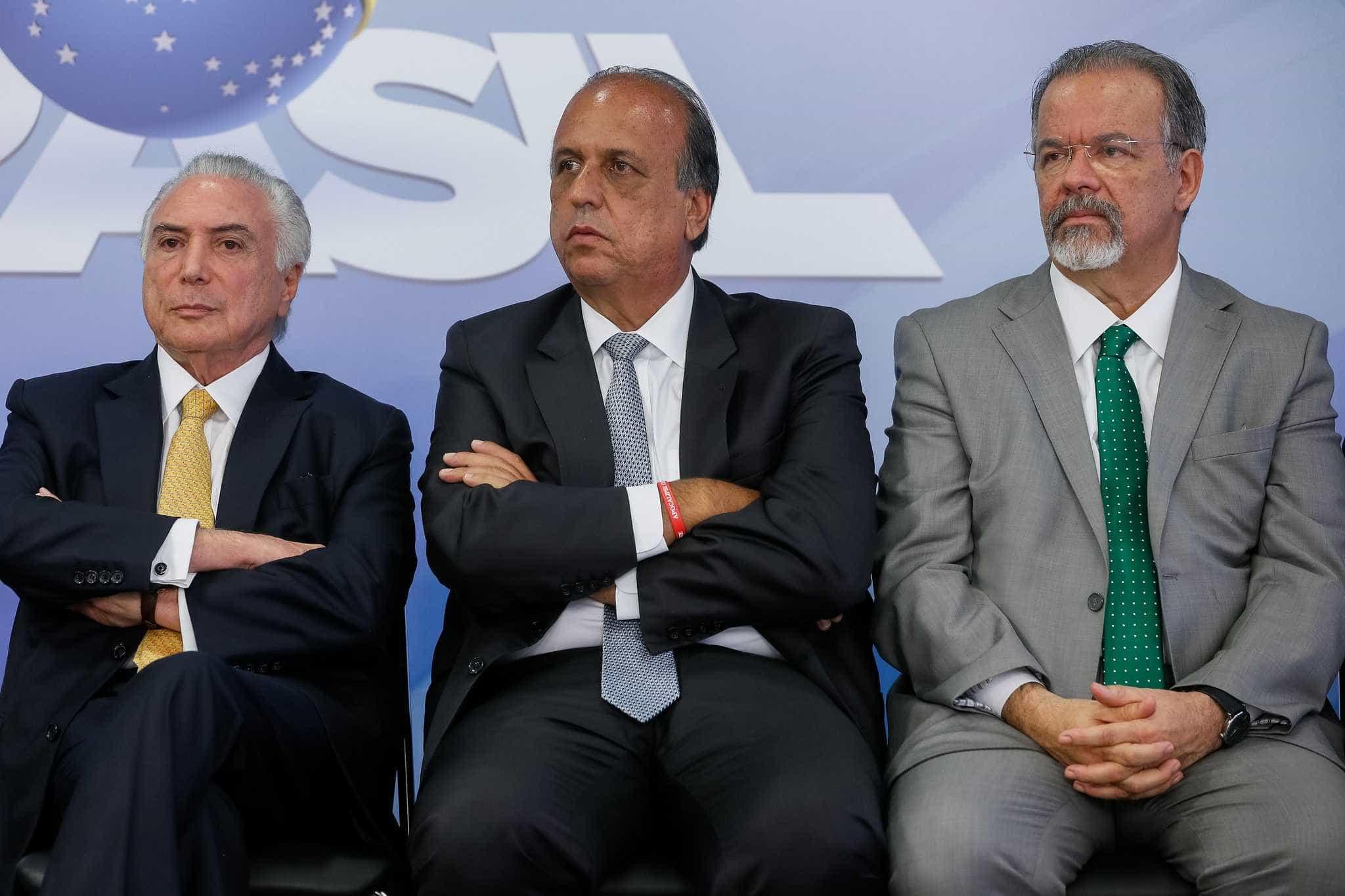 Temer se reúne com Pezão e general no RJ para tratar intervenção