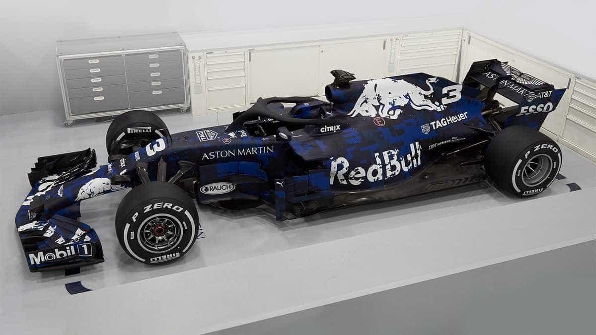 Red Bull apresenta carro de 2018 com pintura especial provisória