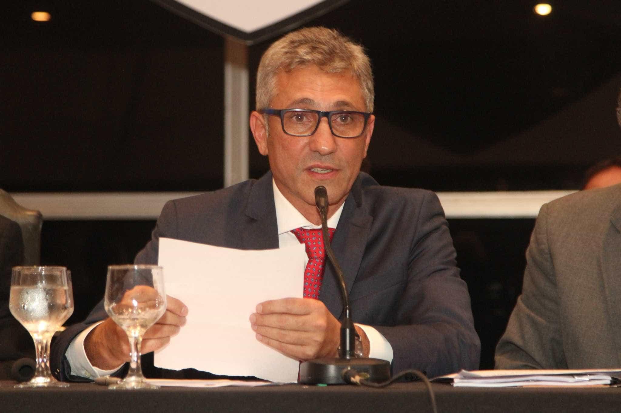 Patrocinadora deve R$ 10 milhões ao Vasco, que deve tentar rescisão