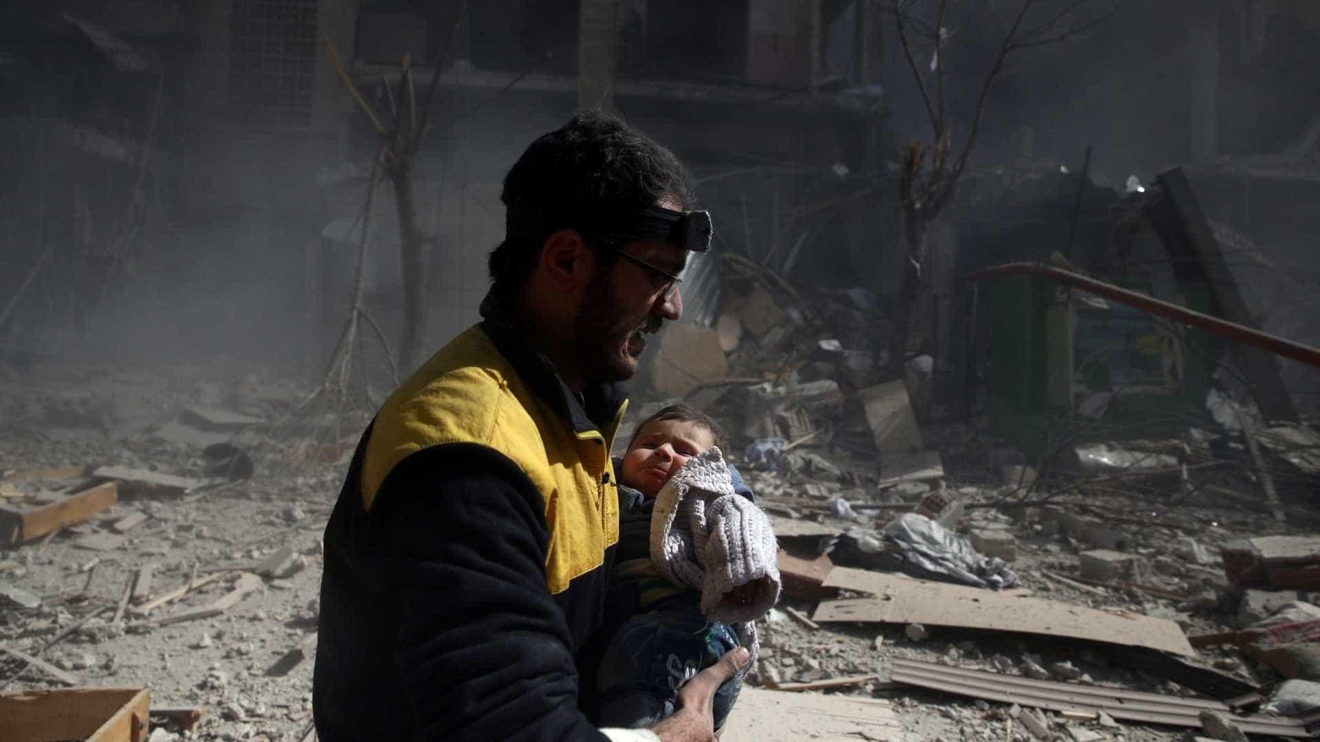 """Síria: """"Estamos assistindo ao massacre do século 21"""""""