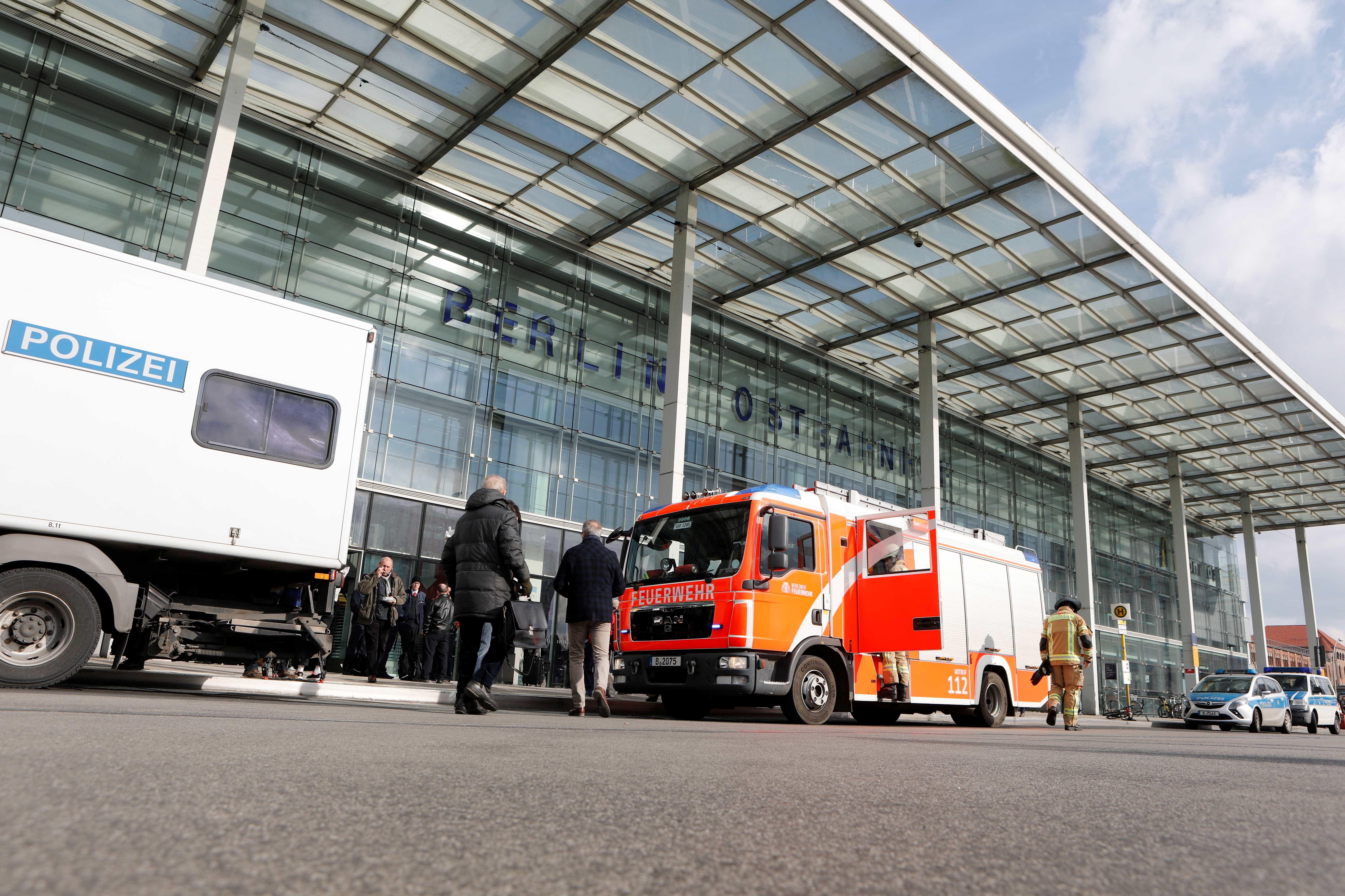 Alerta de bomba fecha uma das principais estações de Berlim