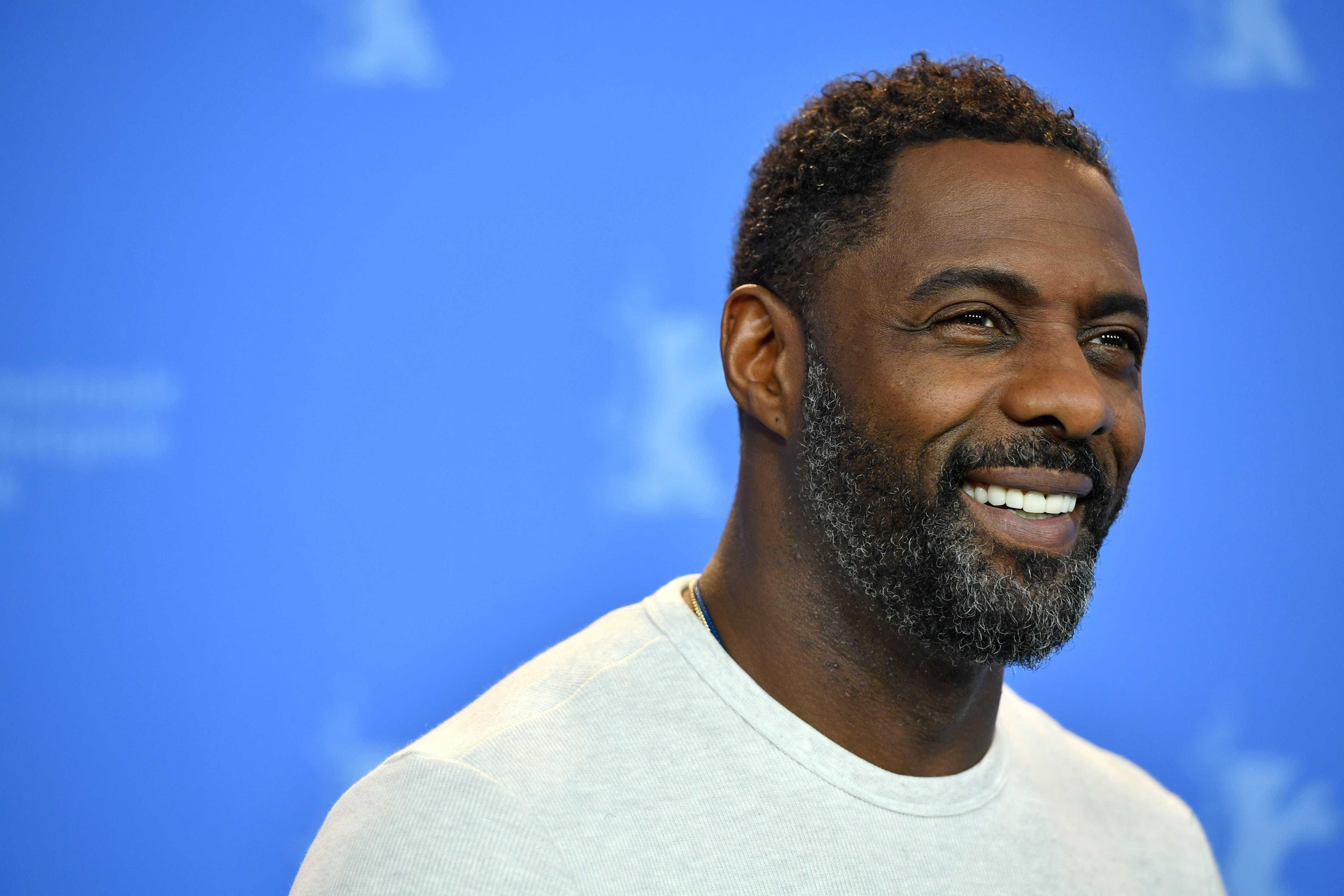 Idris Elba é eleito o homem mais sexy do mundo pela 'People'