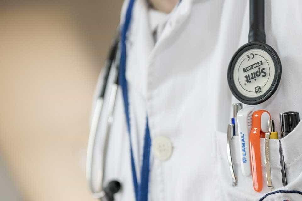 Médico é preso em flagrante por abuso sexual de paciente grávida em UPA