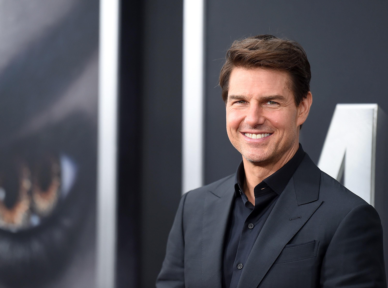 Contrariando a Cientologia, Tom Cruise retoma contato com filhas