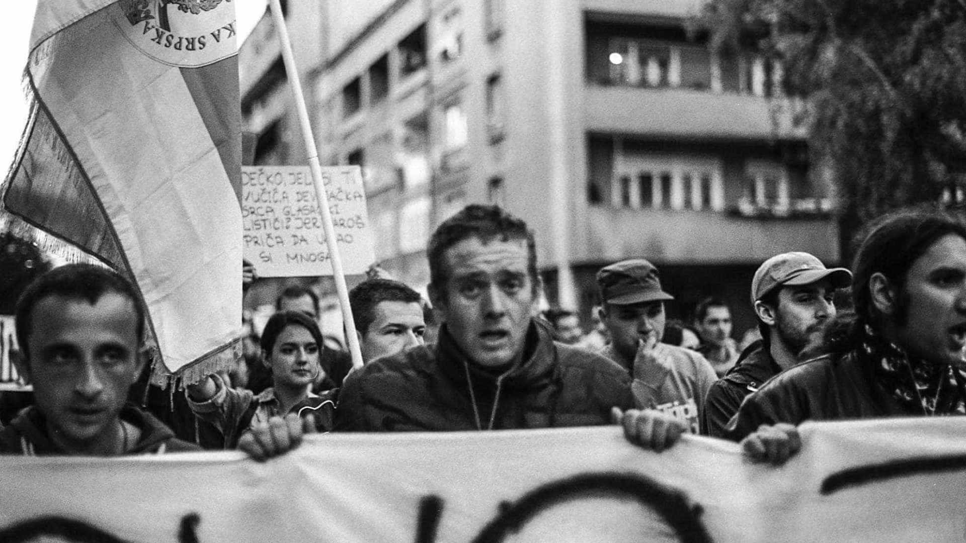 Em Portugal, brasileiro lança livro sobre separação entre os povos