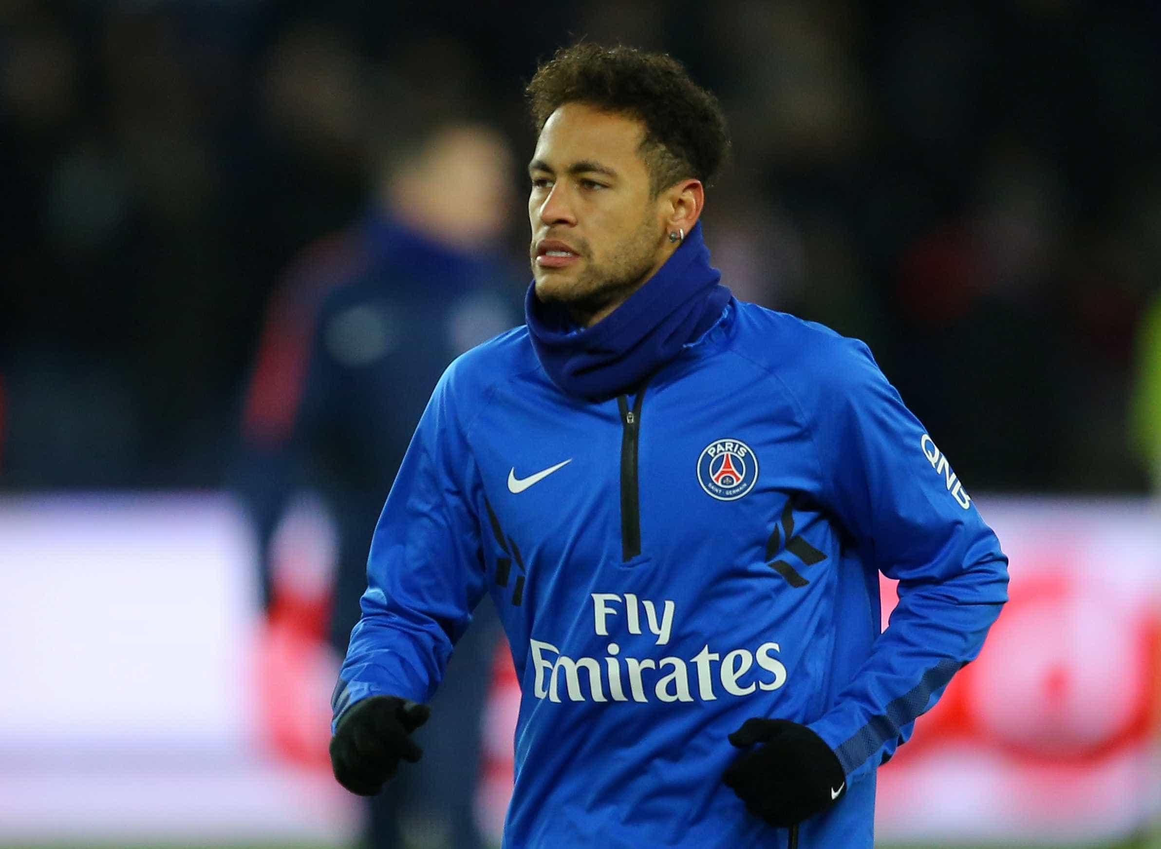 Diagnóstico de médico da Seleção sobre Neymar irrita PSG, diz jornal
