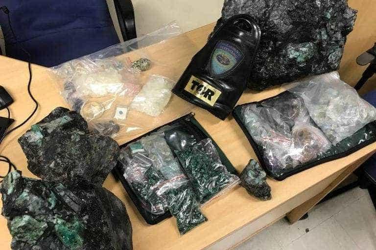 Polícia apreende pedras preciosas avaliadas em R$ 1 mi no litoral de SP