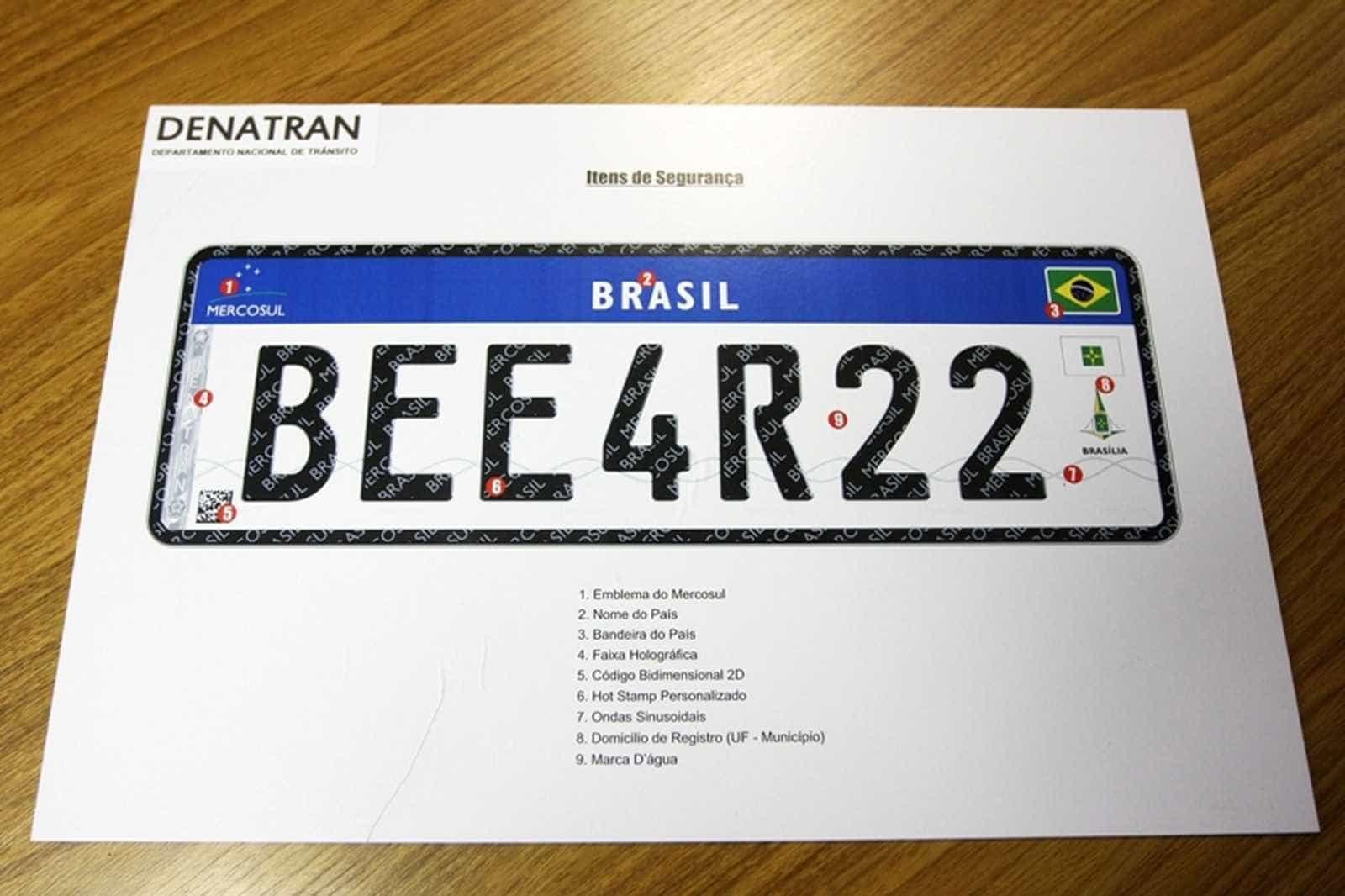 Veículos deverão adotar placas no padrão do Mercosul