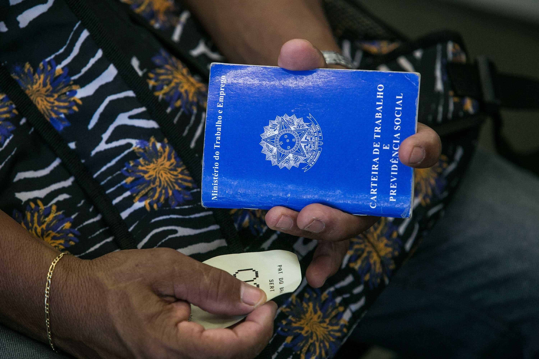 Brasil cria 204 mil vagas com carteira assinada em 2018, diz governo