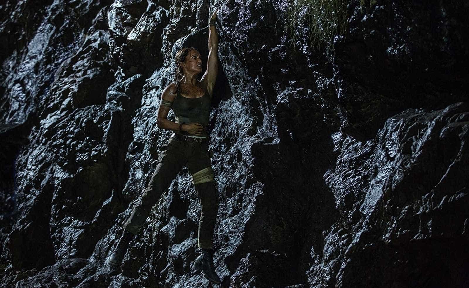Nos EUA, 'Tomb Raider' estreia em 2º lugar e não supera 'Pantera Negra'