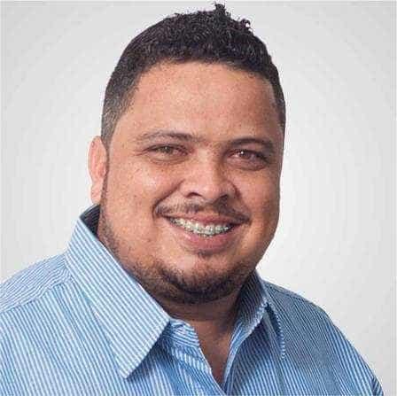 Suplente de vereador é encontrado morto dentro de carro no RJ