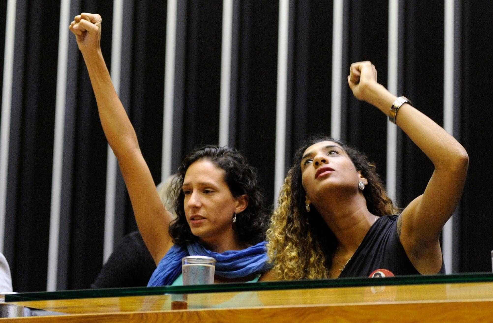 Justiça manda Facebook tirar do ar ofensas a Marielle