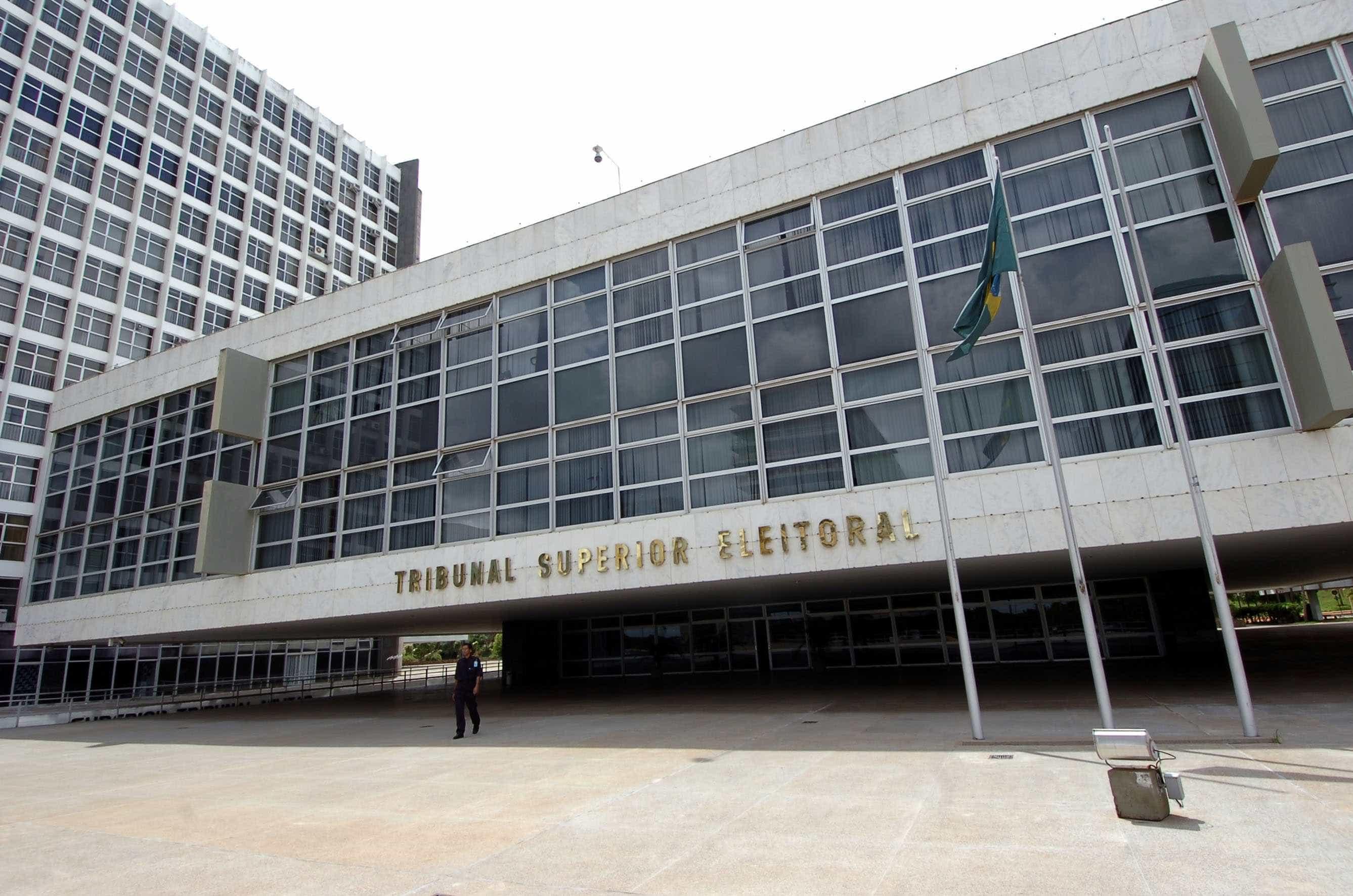 Ministro do TSE manda retirar do ar informações falsas sobre Haddad