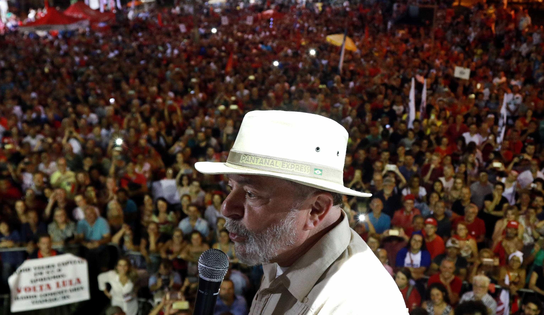 Lula diz esperar que PM dê 'corretivo' em quem atacou caravana