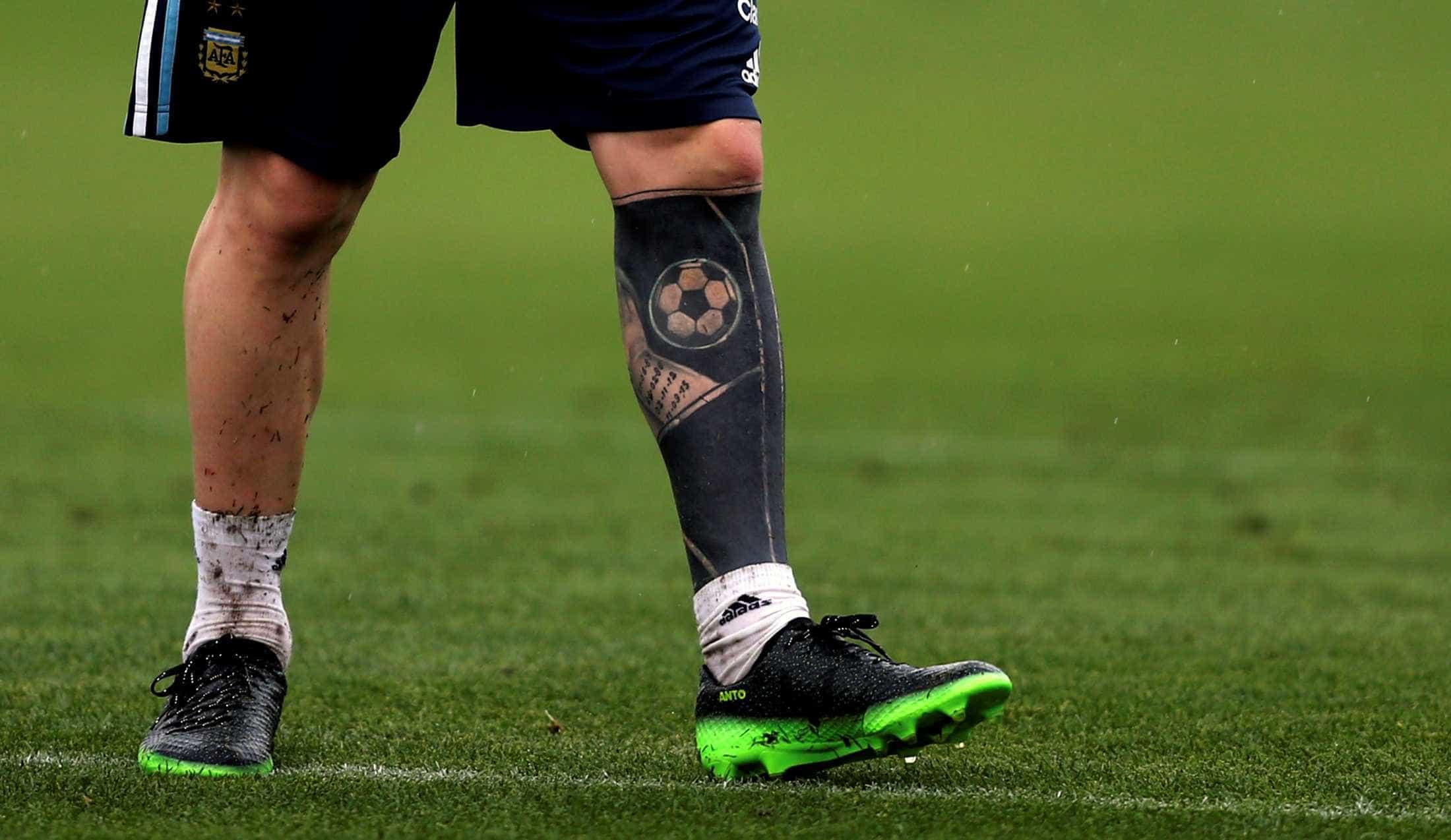 Jogadores que 'ousaram' na hora de tatuar o corpo; confira