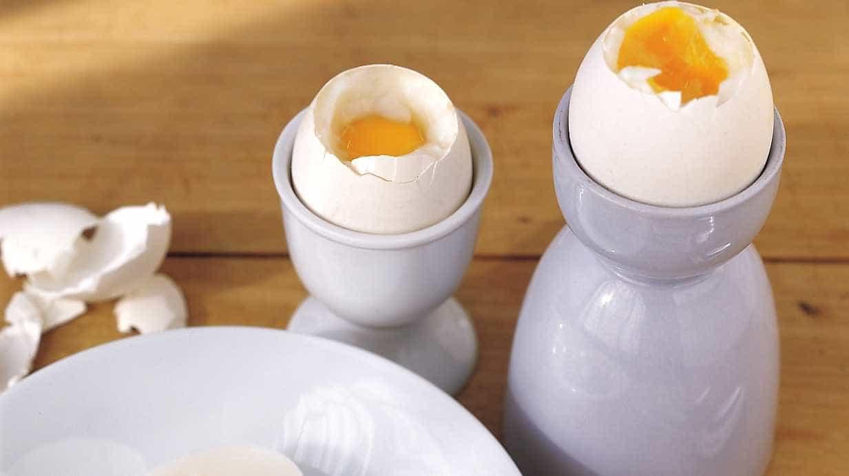 Crepioca, ovo na cesta e ovos benedict para um café da manhã diferente