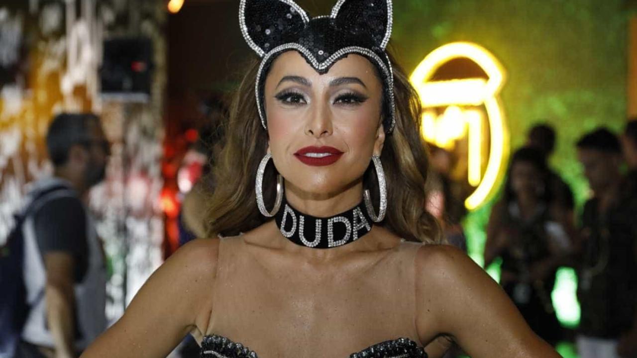 adb60c78b0f49 Sabrina Sato comenta relação de Duda com carnaval e coleira polêmica