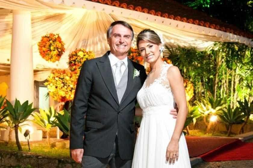 Descubra o estilo de Michelle de Paula, esposa de Jair Bolsonaro