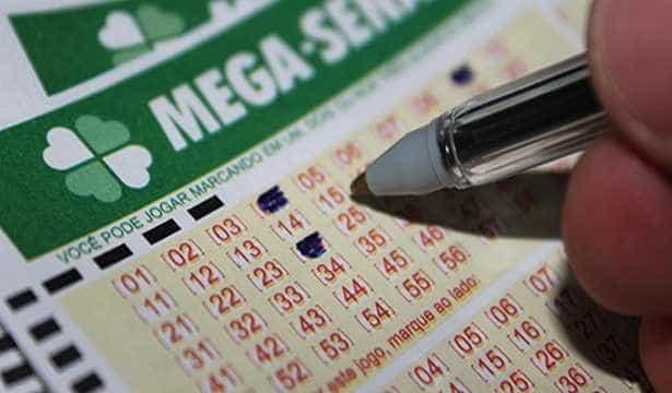 Mega-Sena acumula, e sorteio de sábado deve pagar R$ 34 milhões