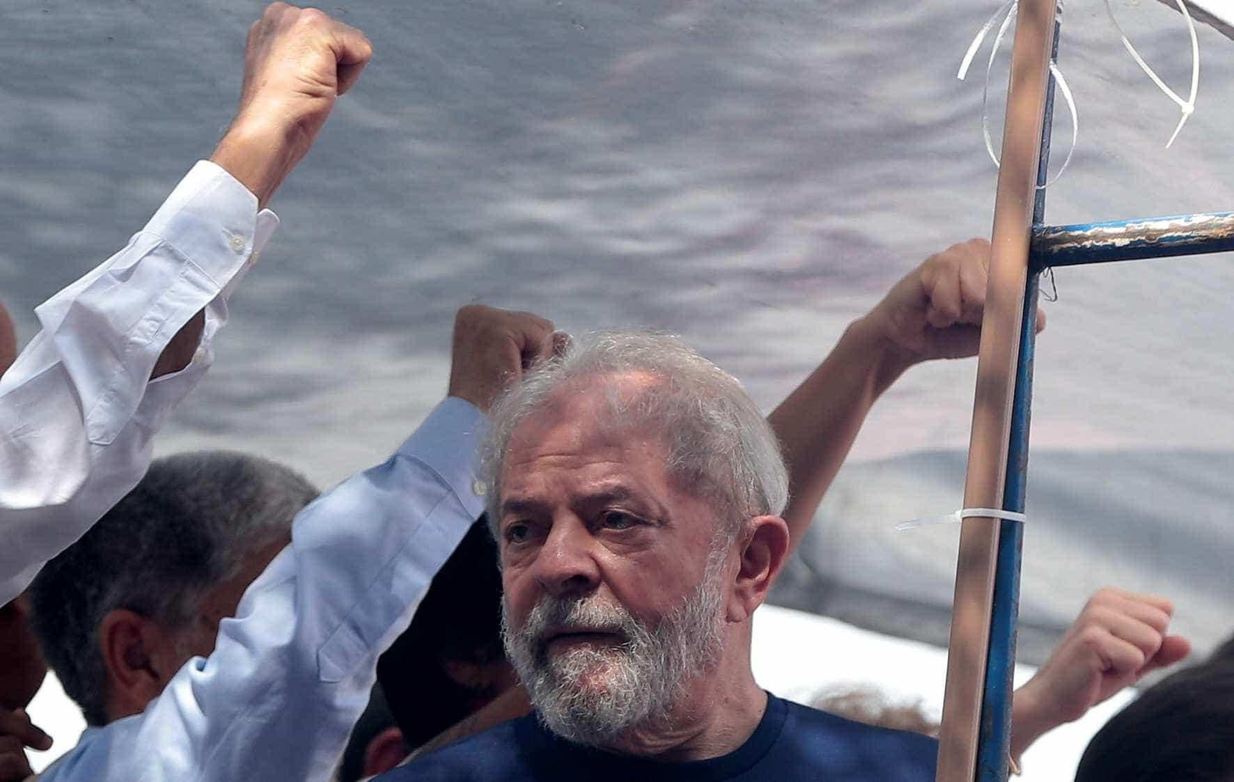 Para defesa, corte de benefícios de Lula tem 'caráter político'